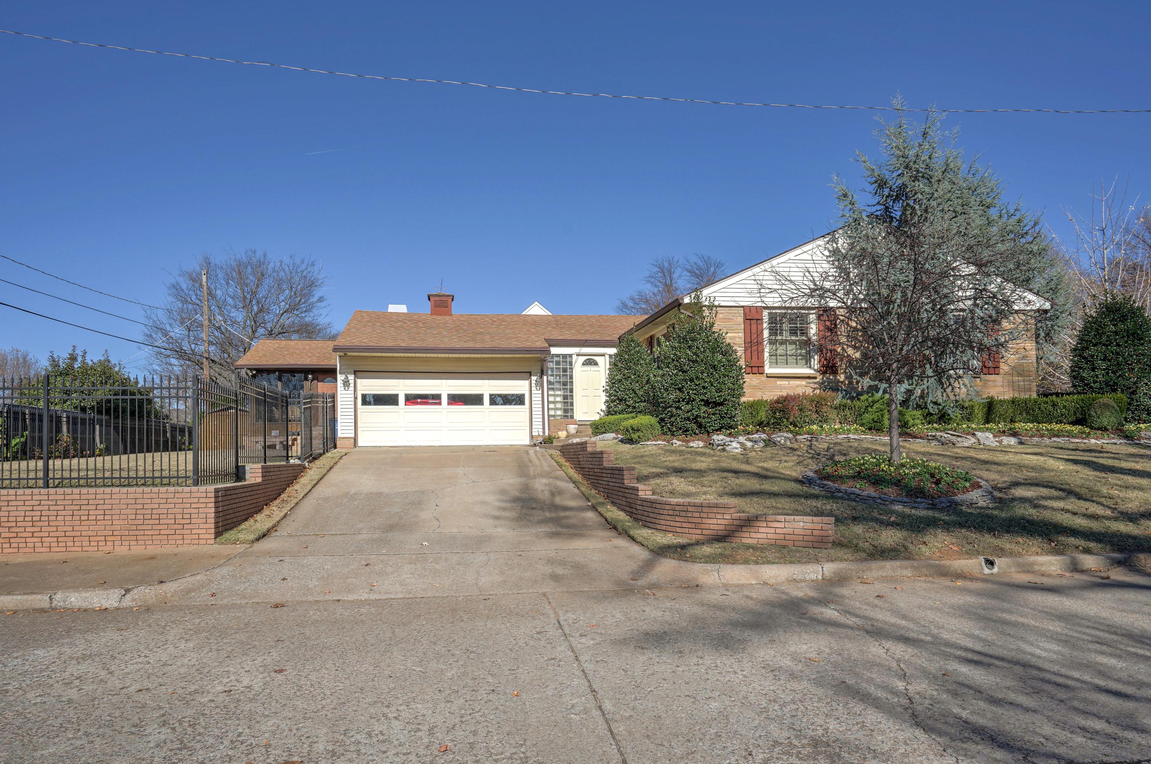 3848 S Utica Avenue Property Photo 6