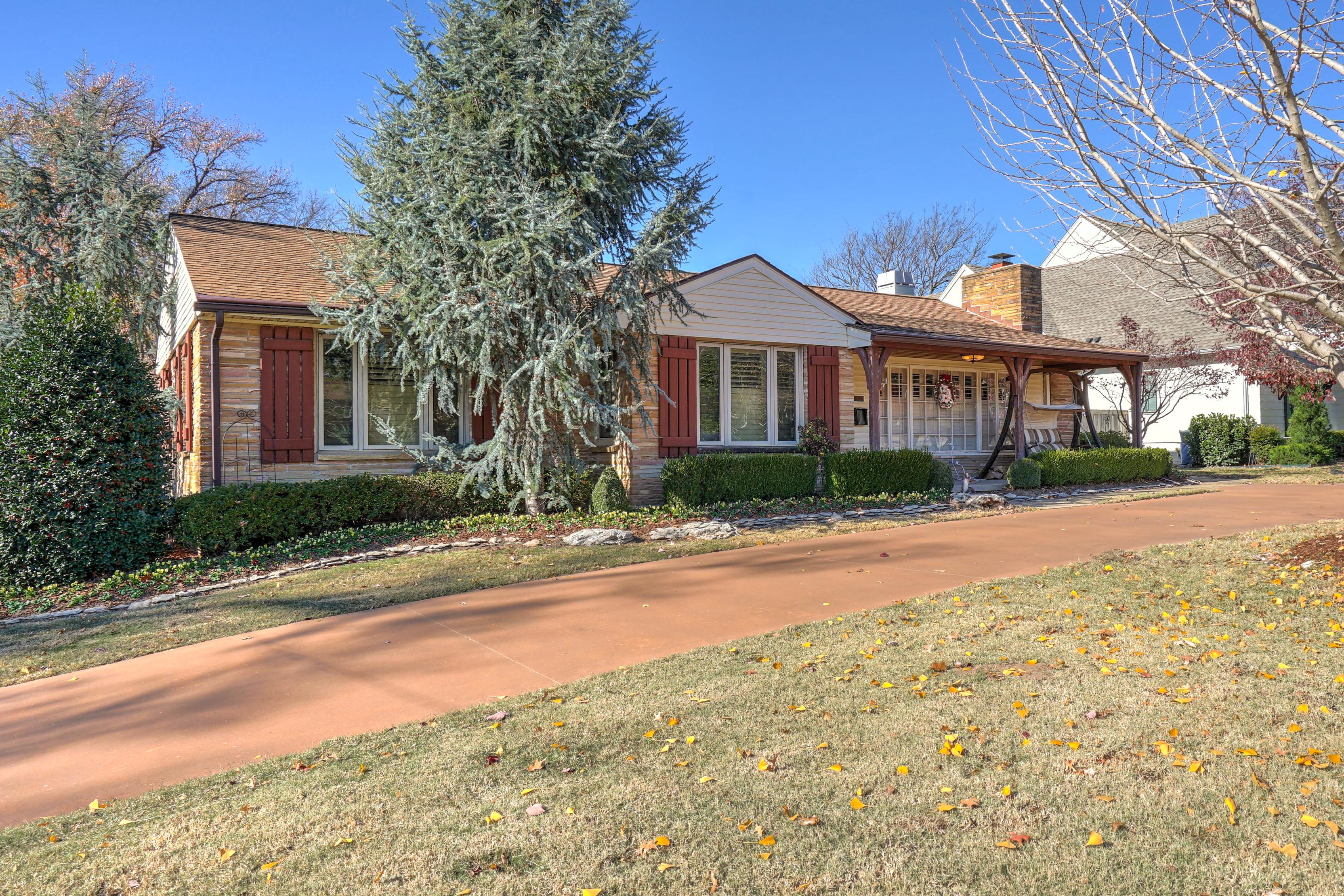 3848 S Utica Avenue Property Photo 4