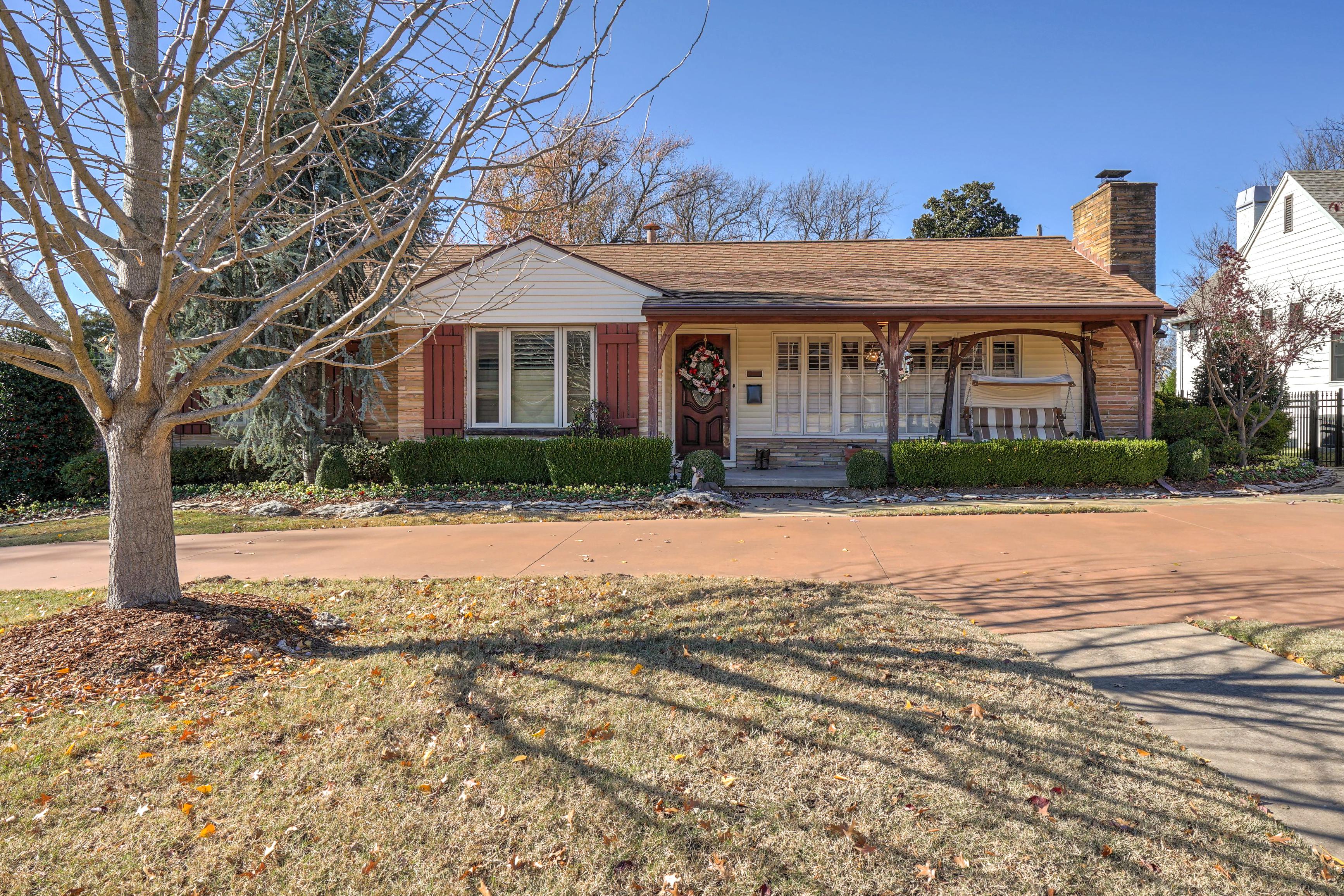 3848 S Utica Avenue Property Photo 2