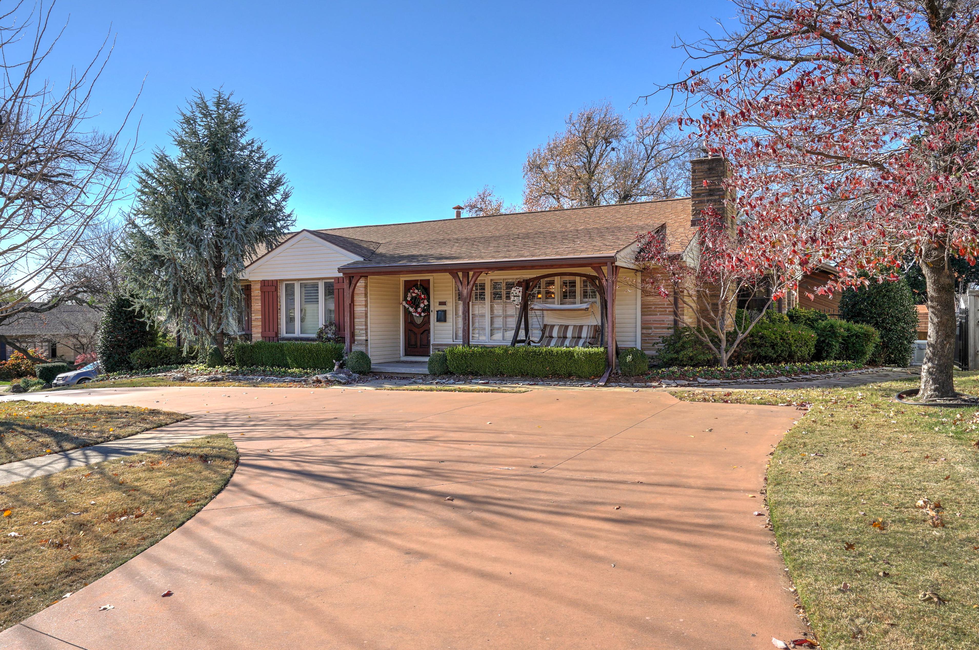 3848 S Utica Avenue Property Photo 3