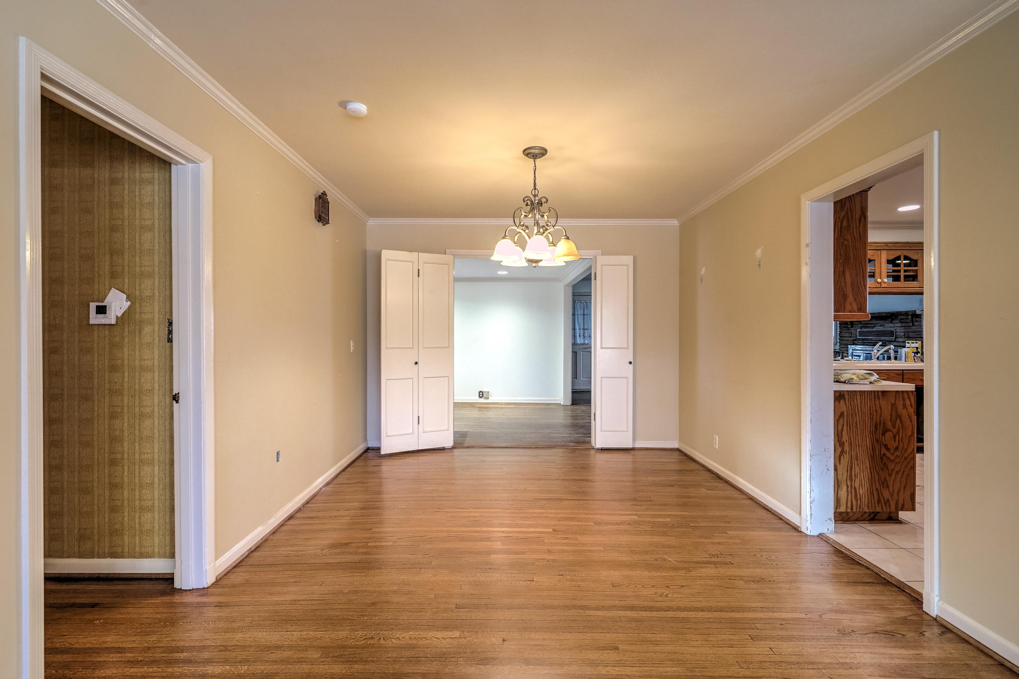 3848 S Utica Avenue Property Photo 11