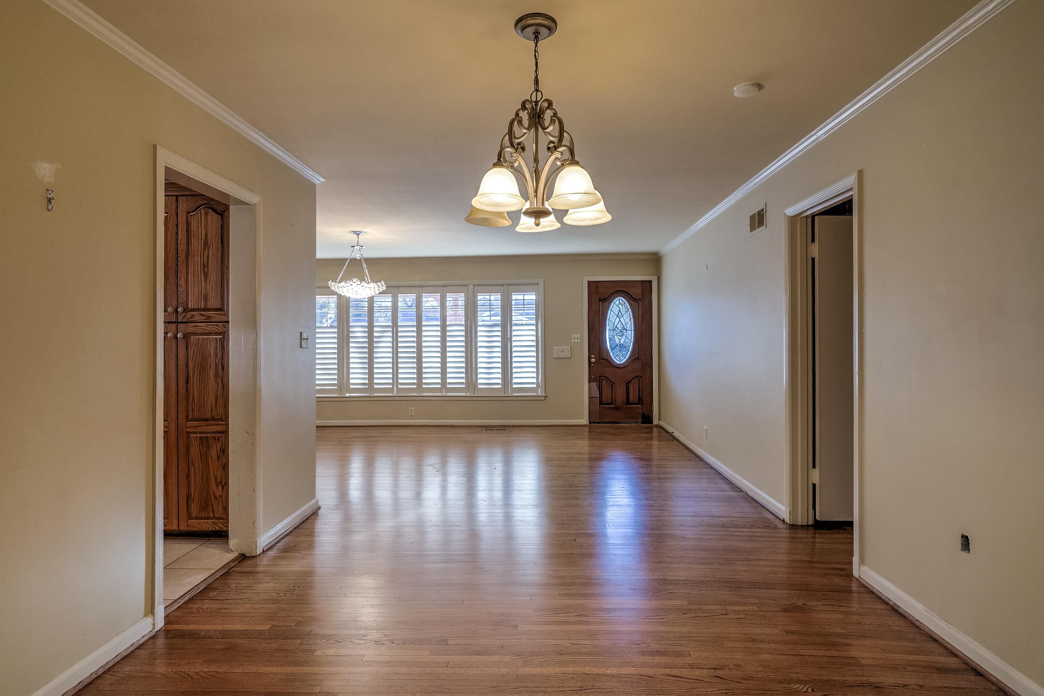 3848 S Utica Avenue Property Photo 12