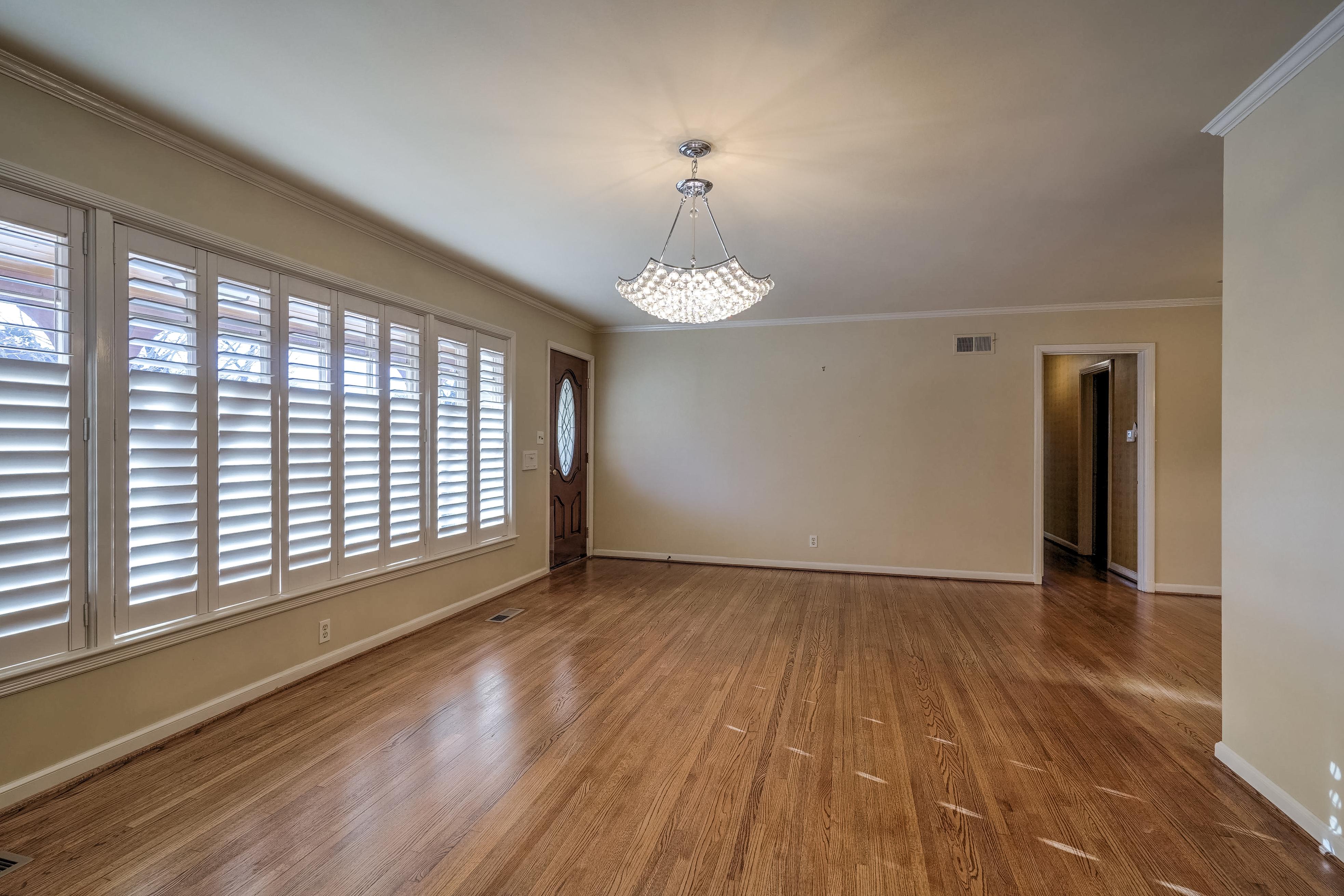 3848 S Utica Avenue Property Photo 10