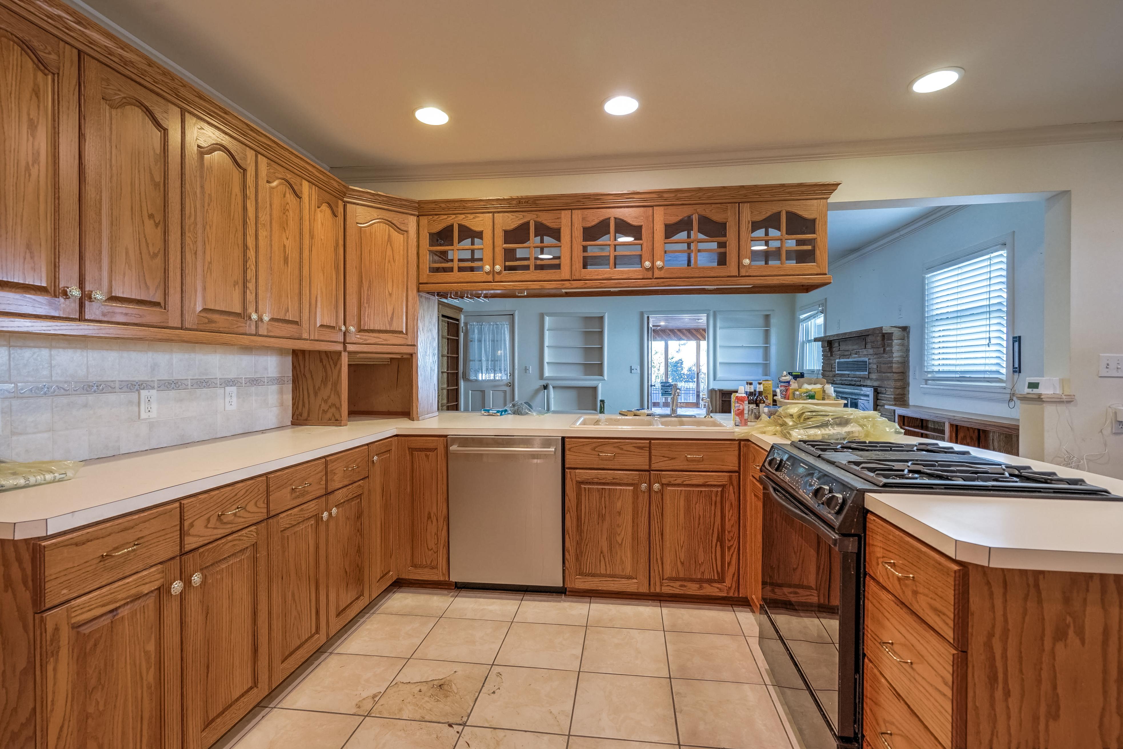 3848 S Utica Avenue Property Photo 14