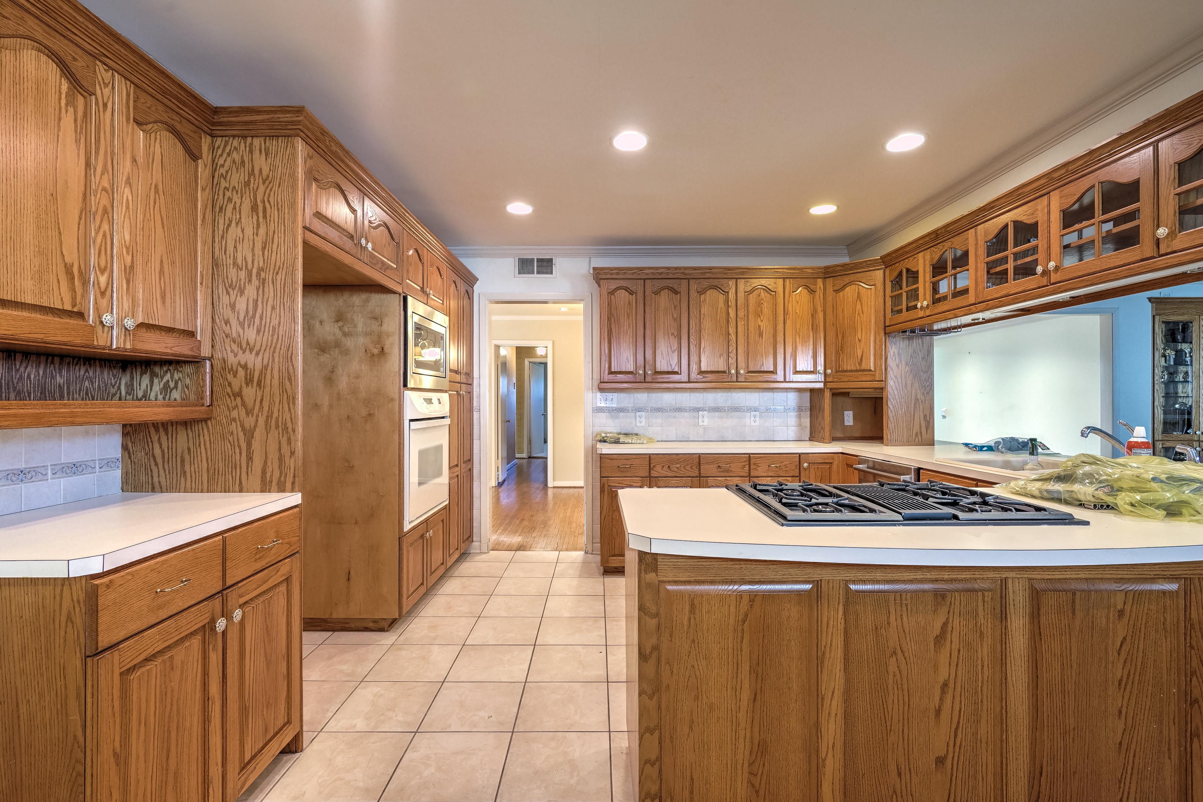 3848 S Utica Avenue Property Photo 13