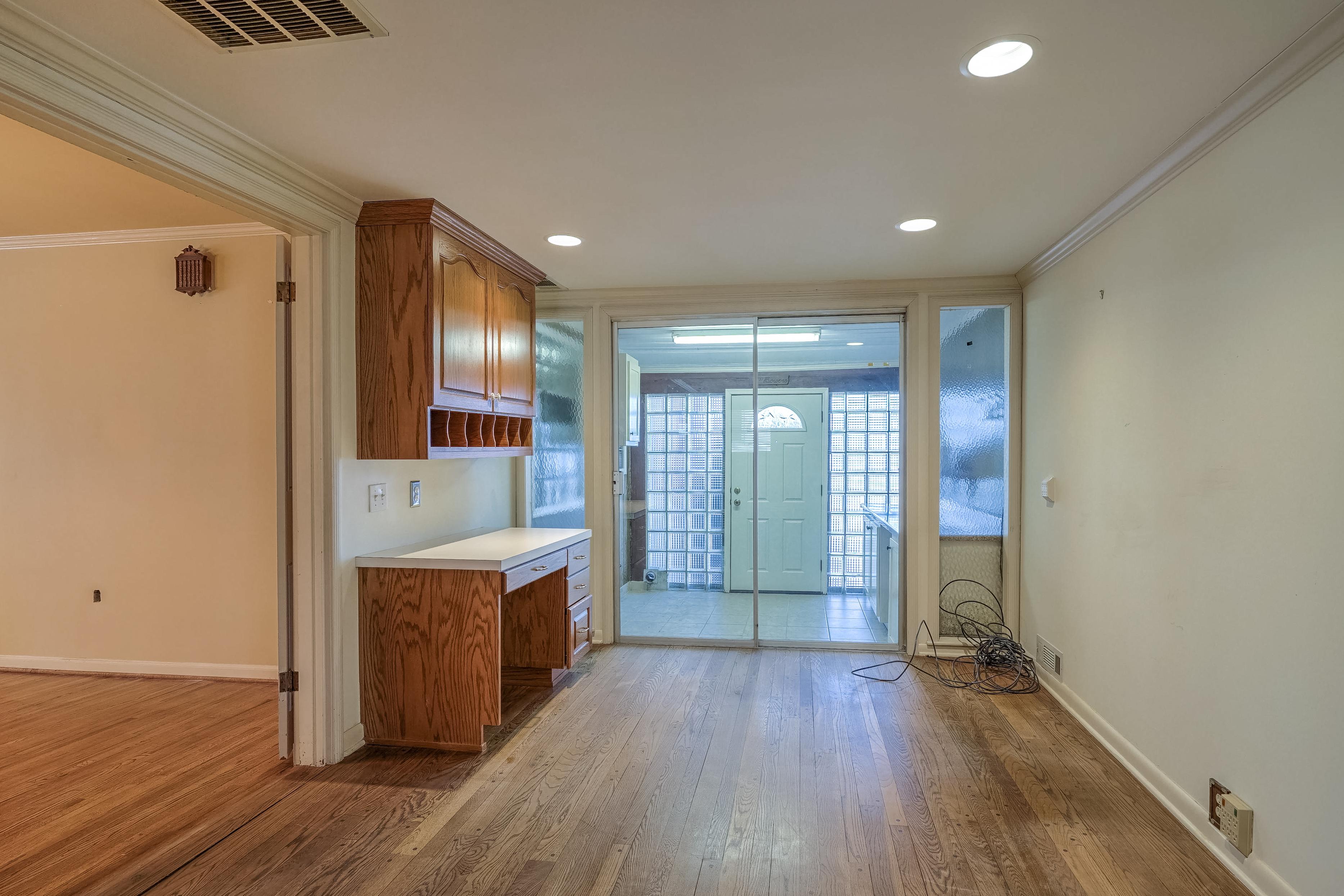 3848 S Utica Avenue Property Photo 26