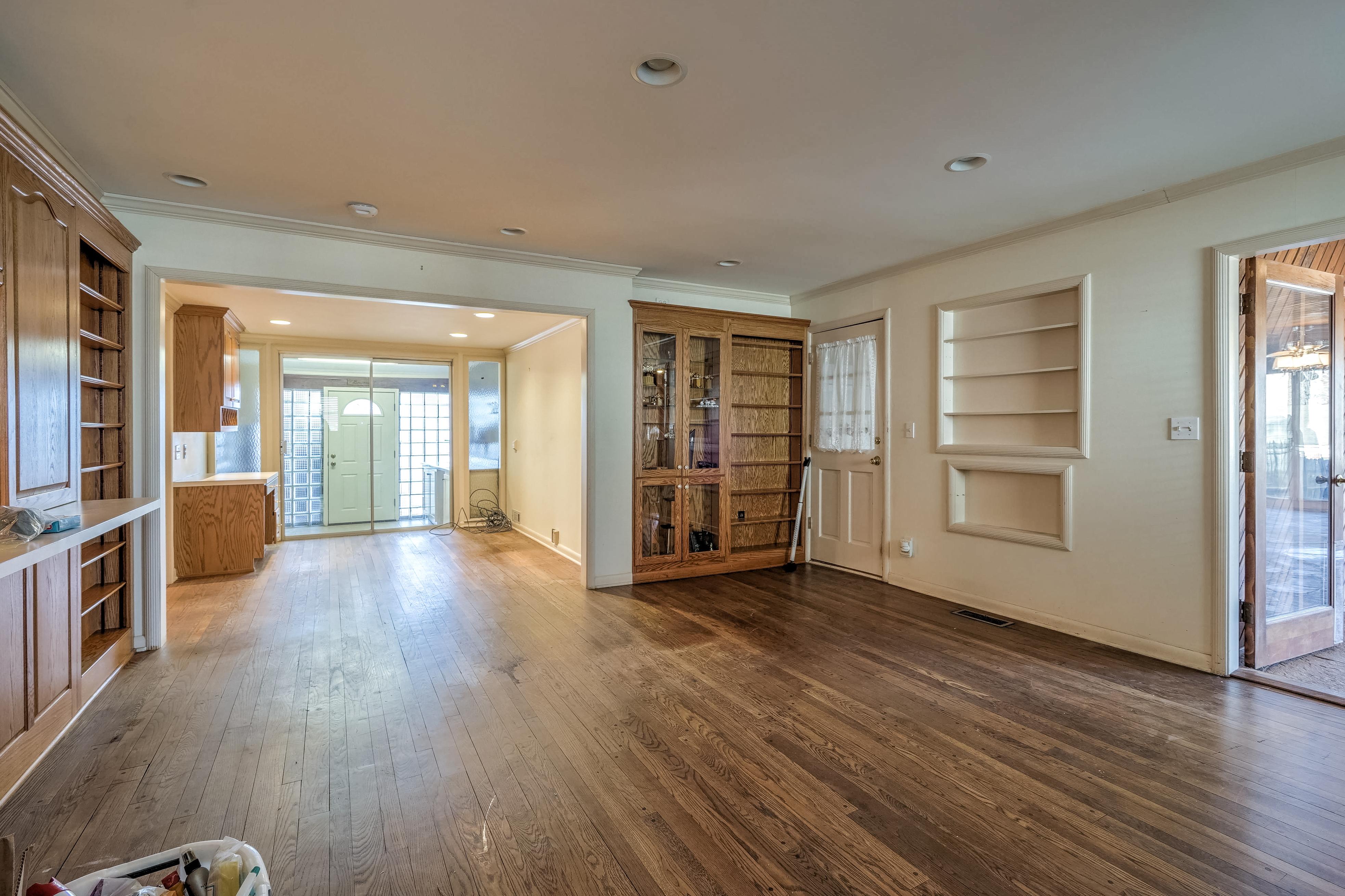 3848 S Utica Avenue Property Photo 19