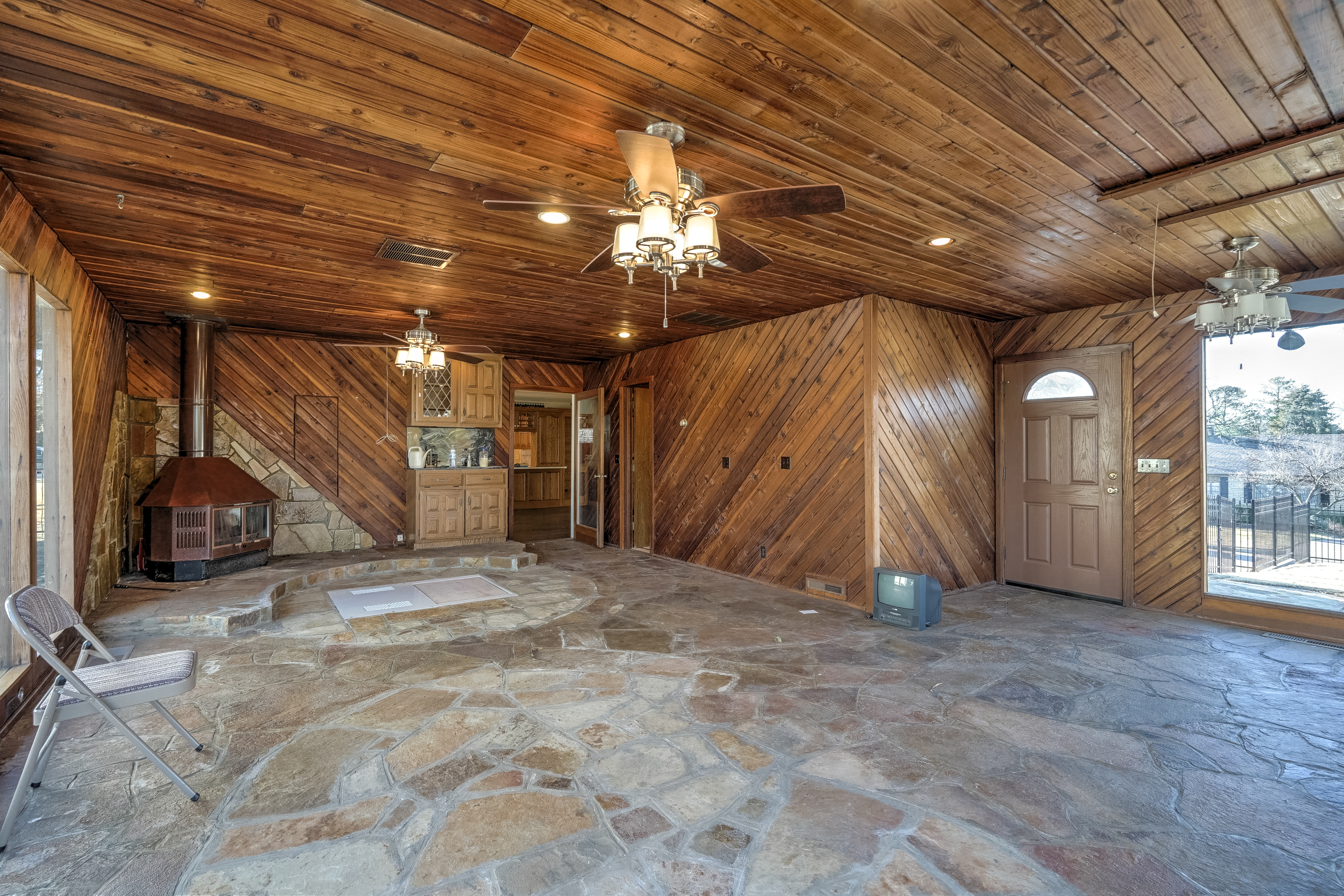 3848 S Utica Avenue Property Photo 22
