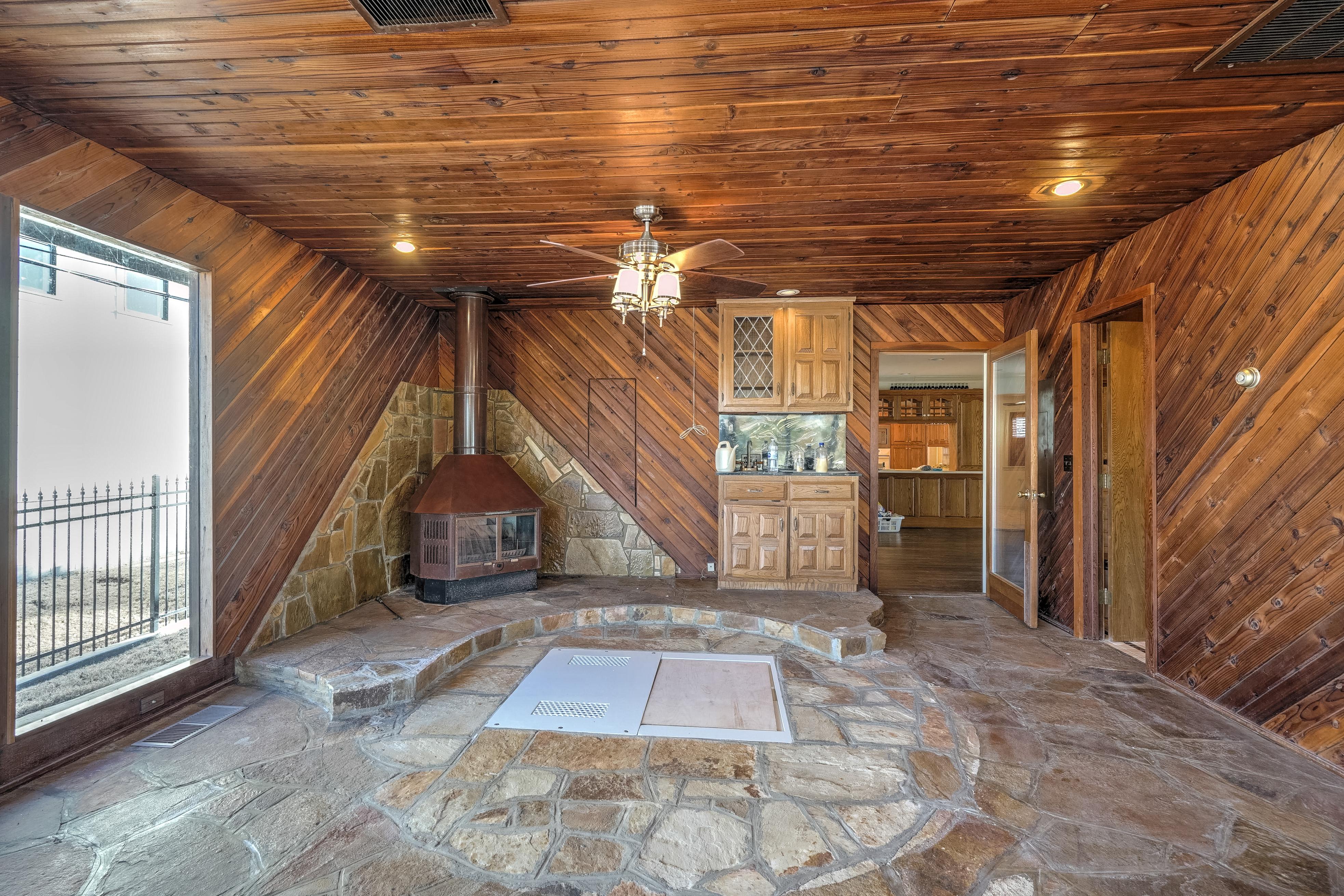 3848 S Utica Avenue Property Photo 23