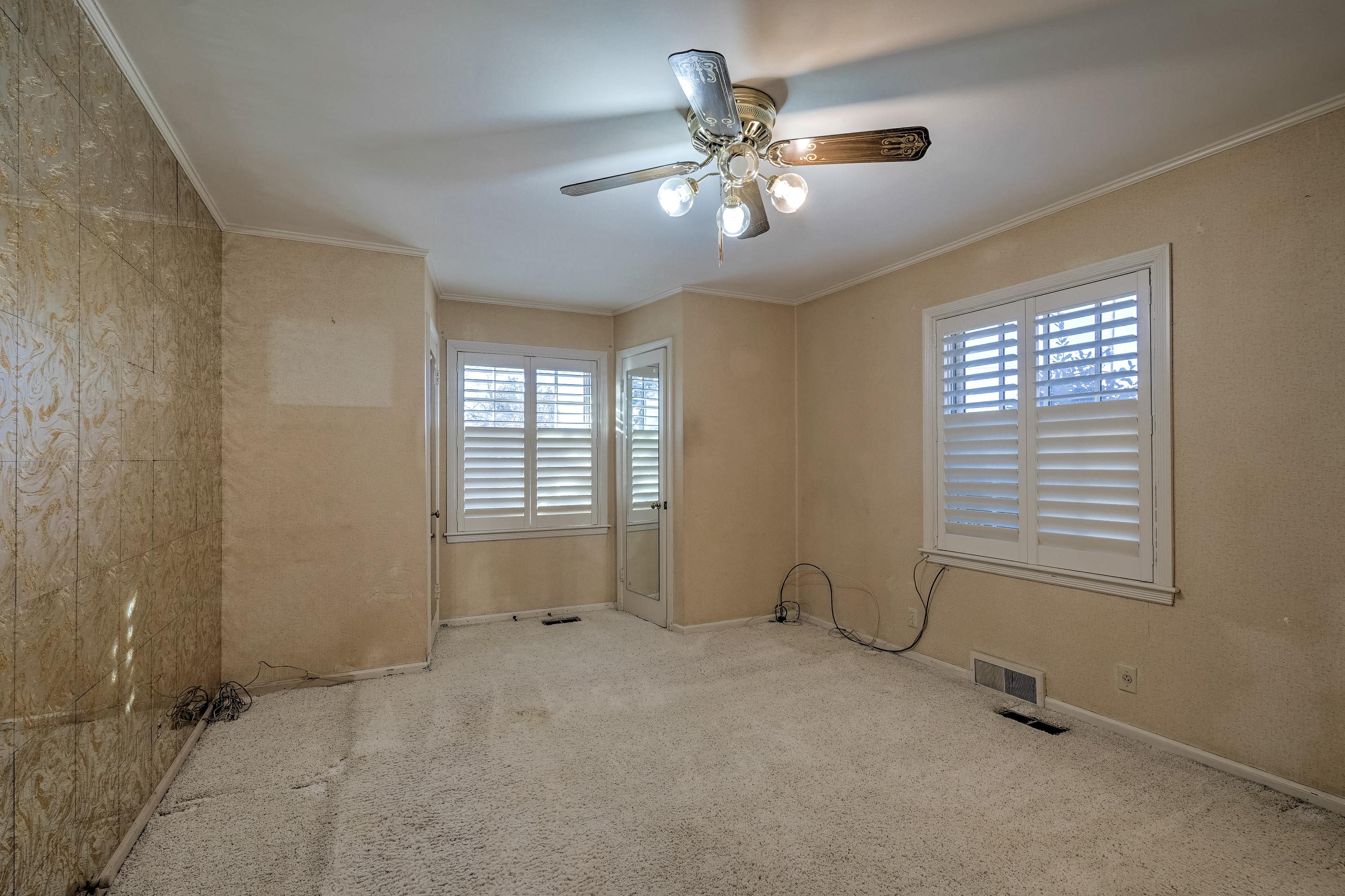 3848 S Utica Avenue Property Photo 28
