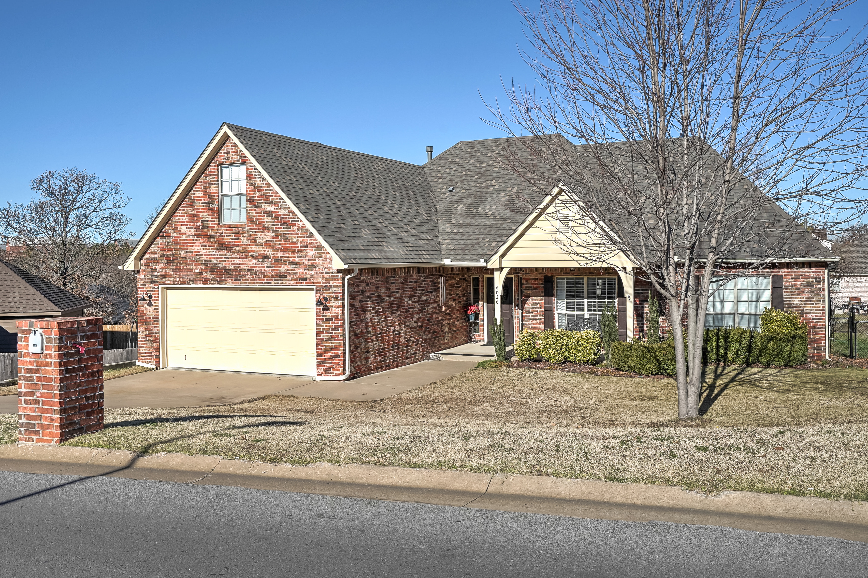 4026 S Rolling Oaks Drive Property Photo