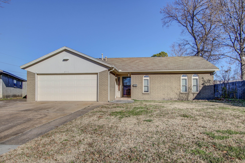8911 E 47th Place Property Photo