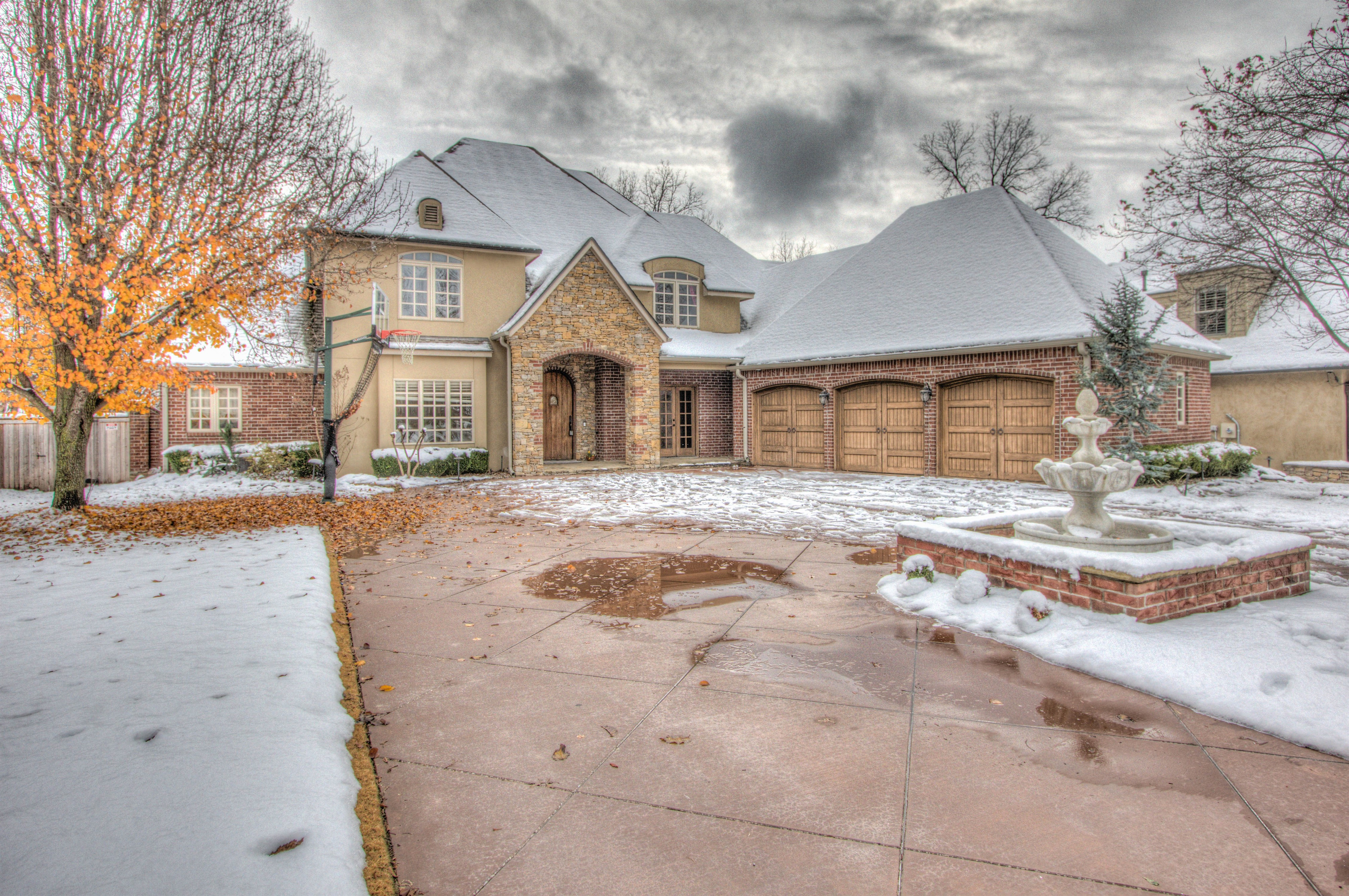 10625 S 91st East Avenue Property Photo 1