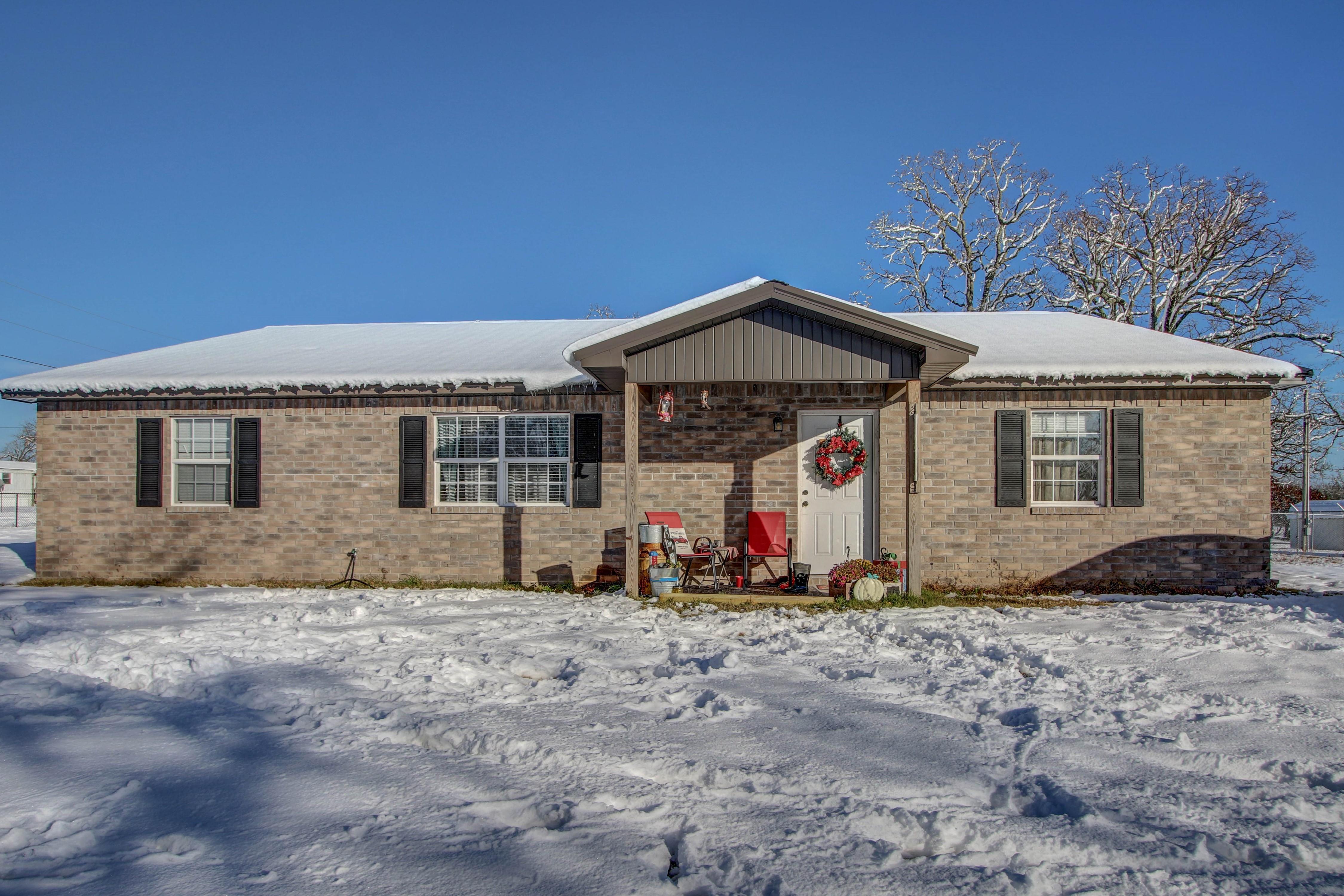 11831 N 518 Road Property Photo