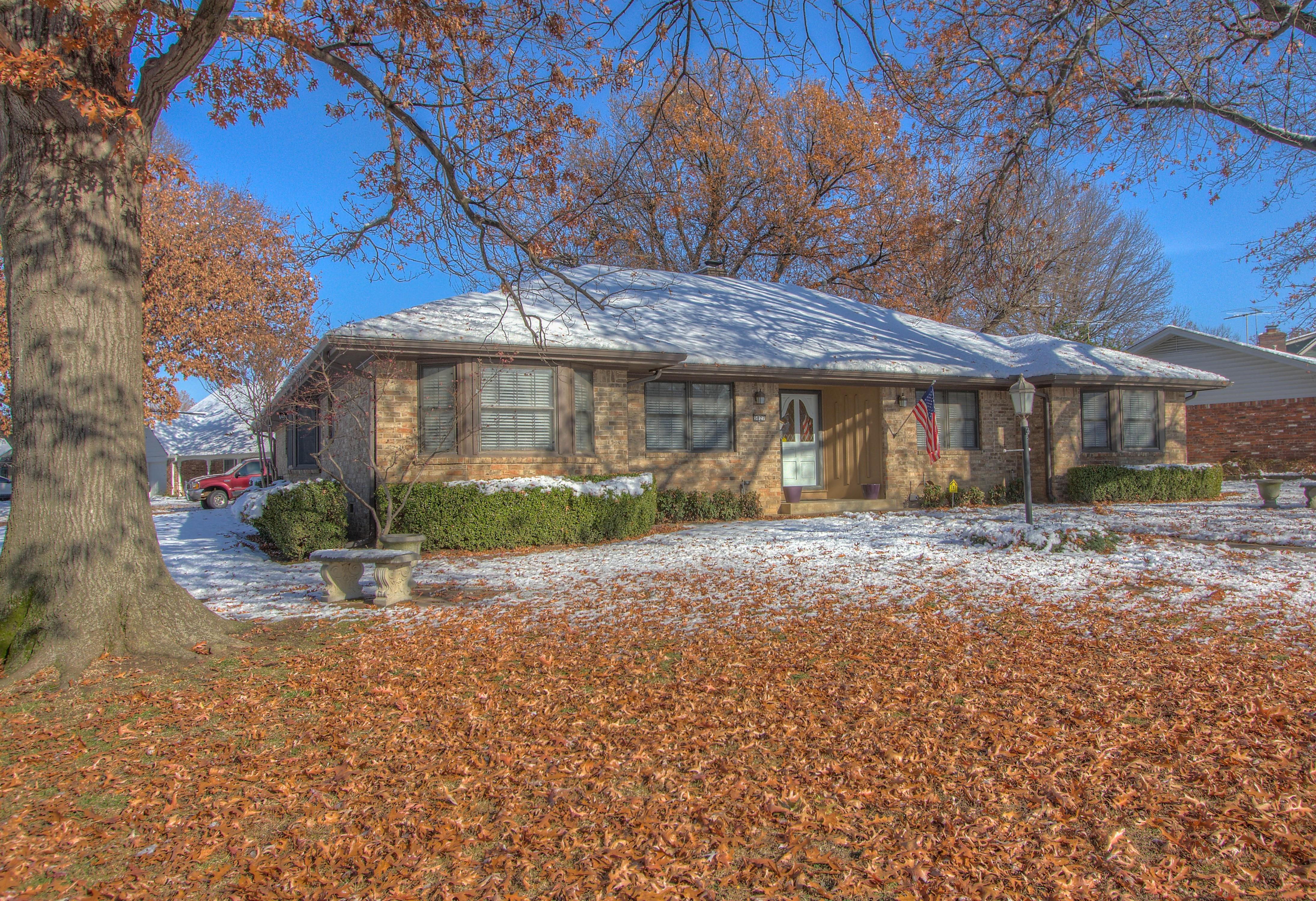 5827 E 50th Street Property Photo