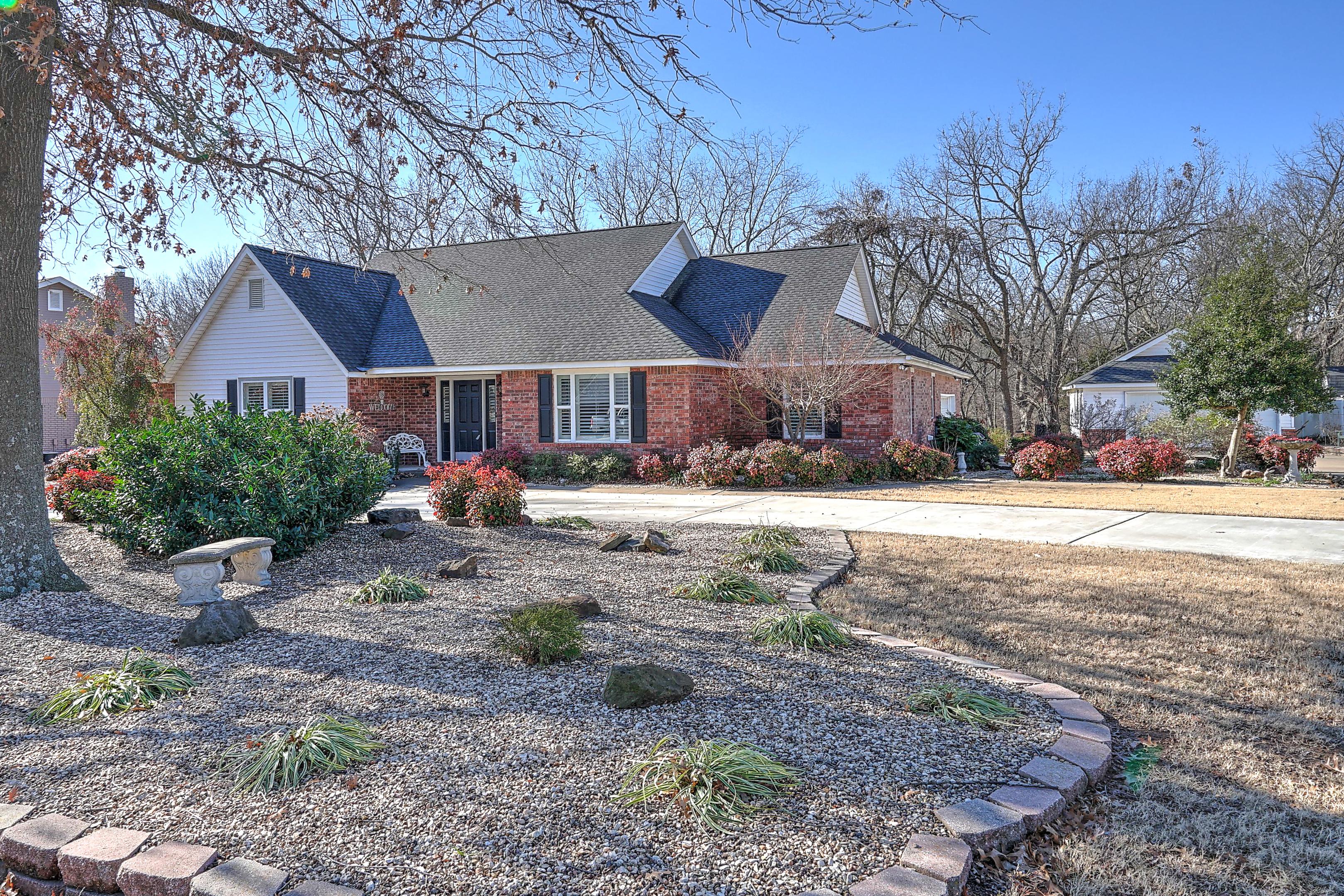 1704 Woodhaven Lane Property Photo 1