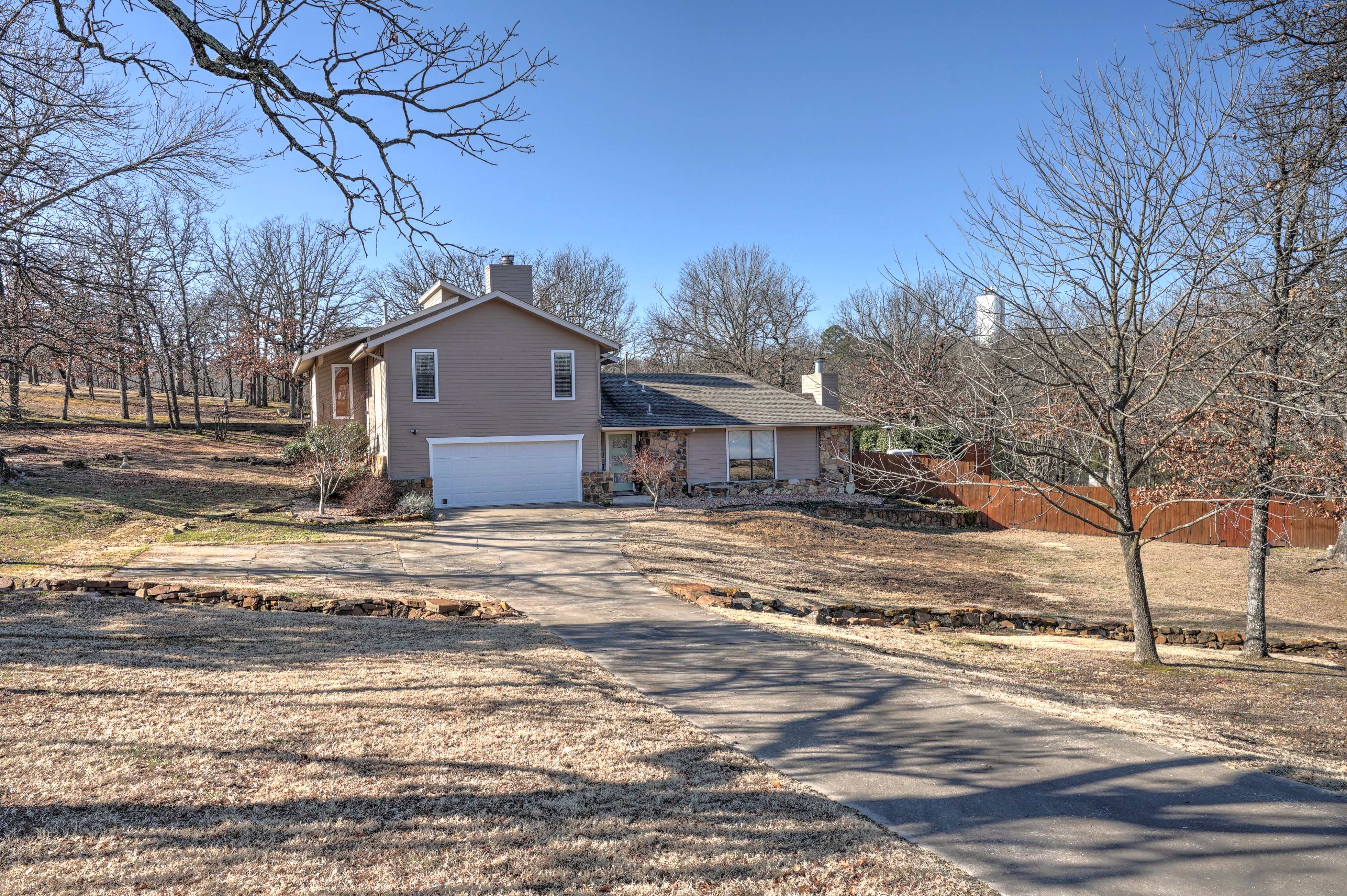4461 Colonial Drive Property Photo 1