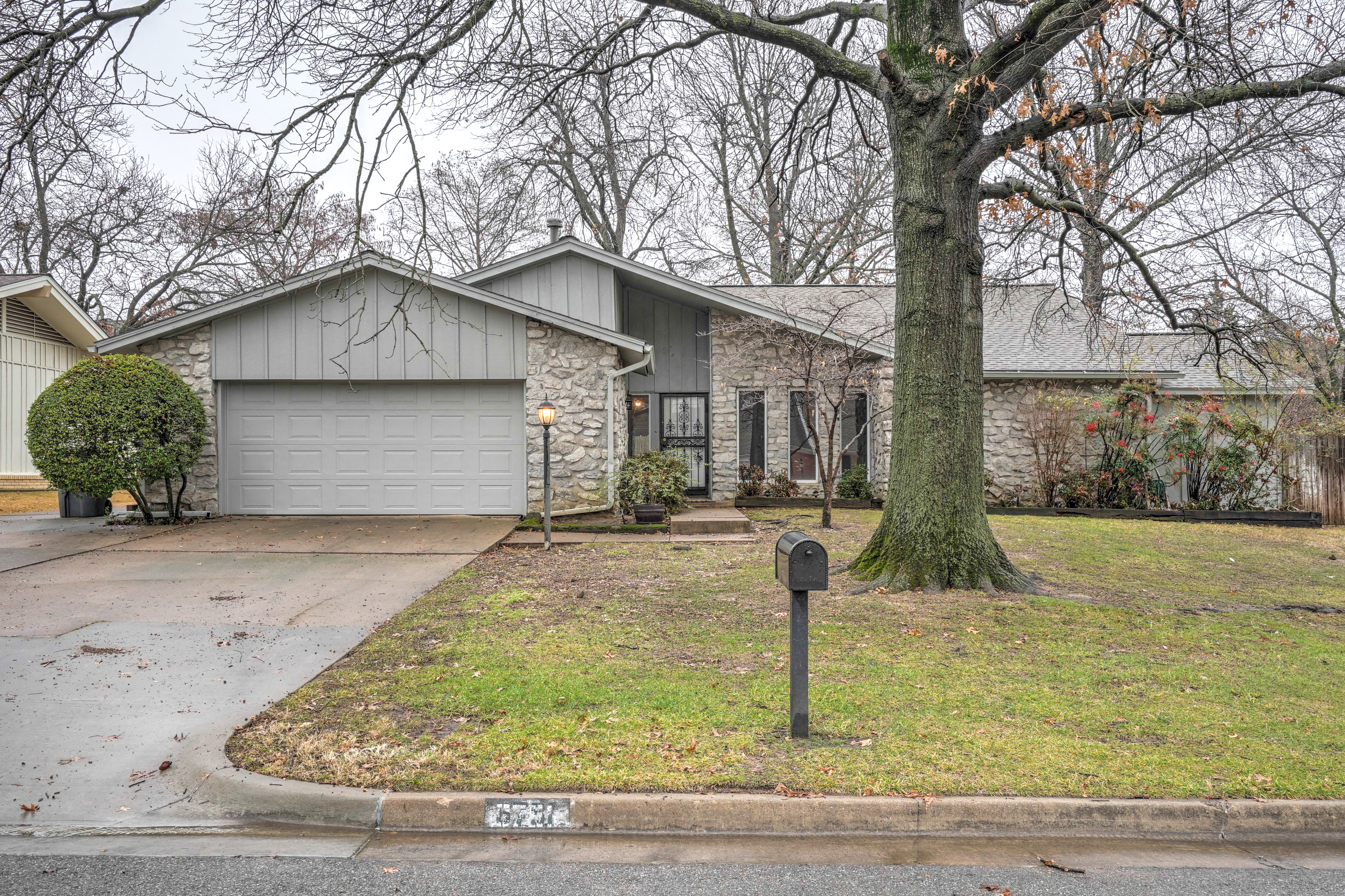 6751 S 70th East Avenue Property Photo