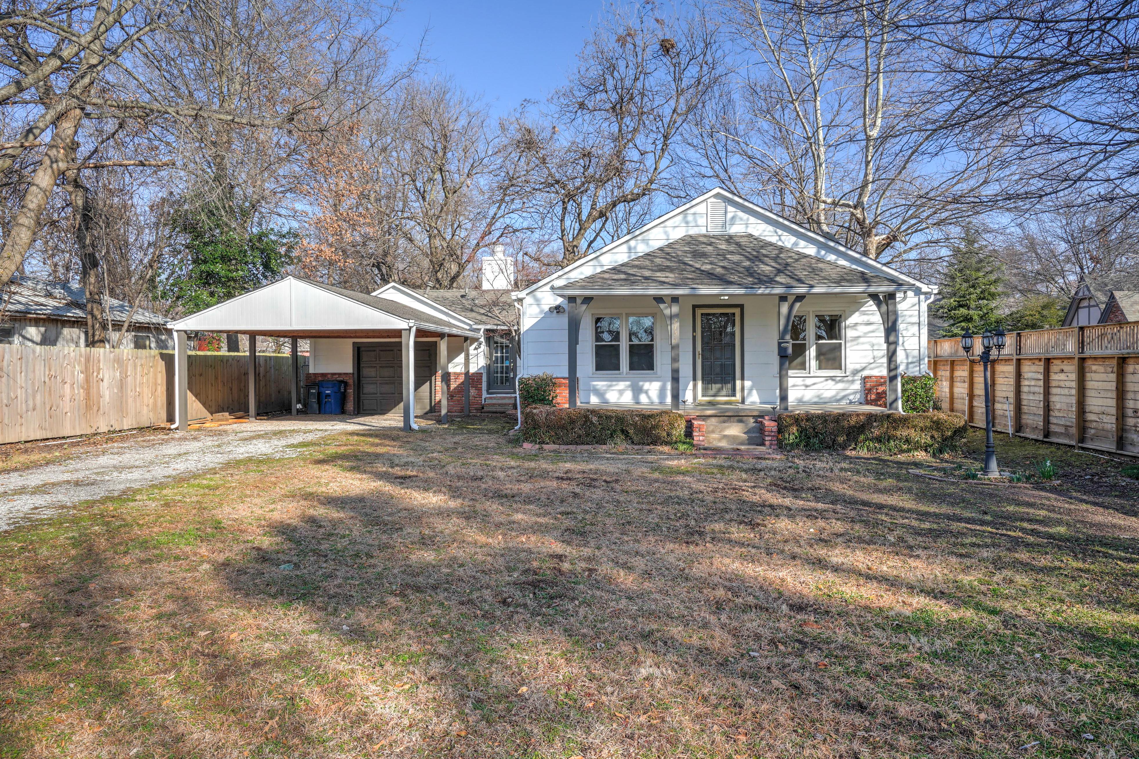 2735 E 55th Place Property Photo 1