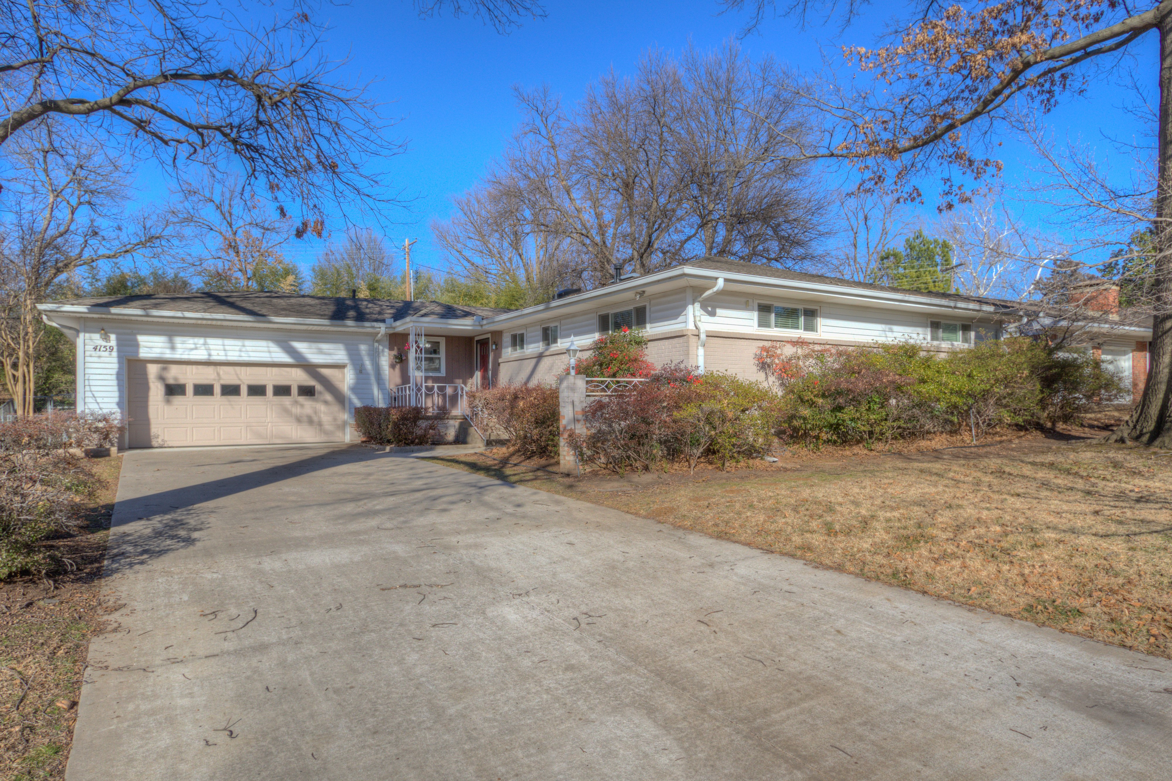 4159 E 44th Street Property Photo
