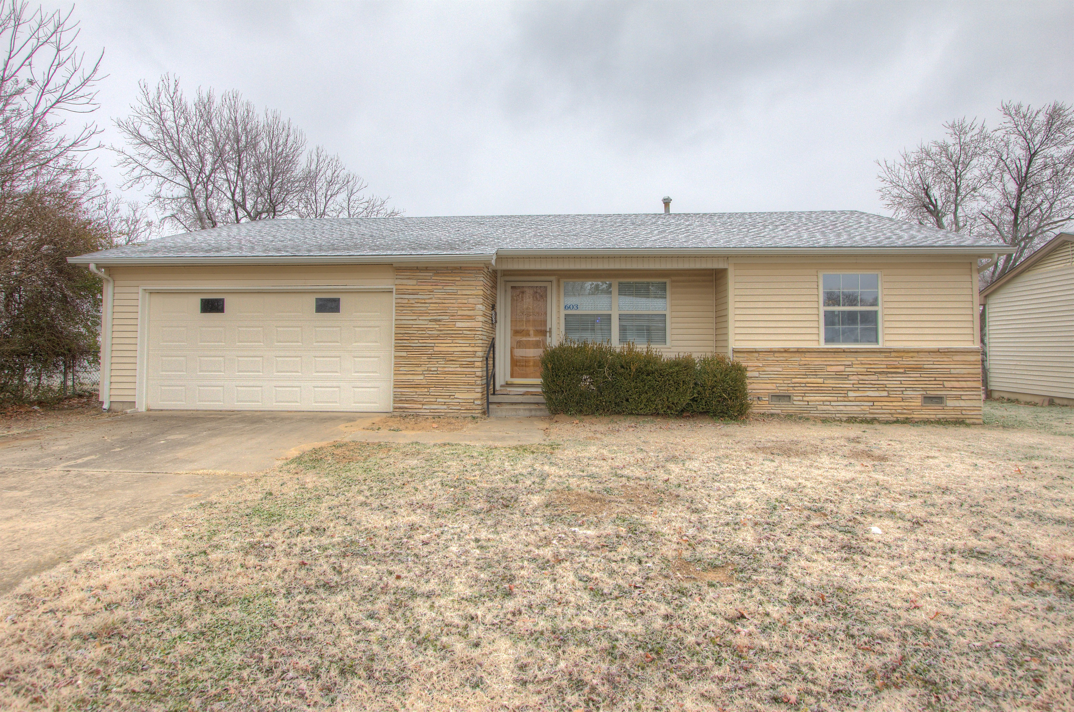 603 N Moccasin Place Property Photo