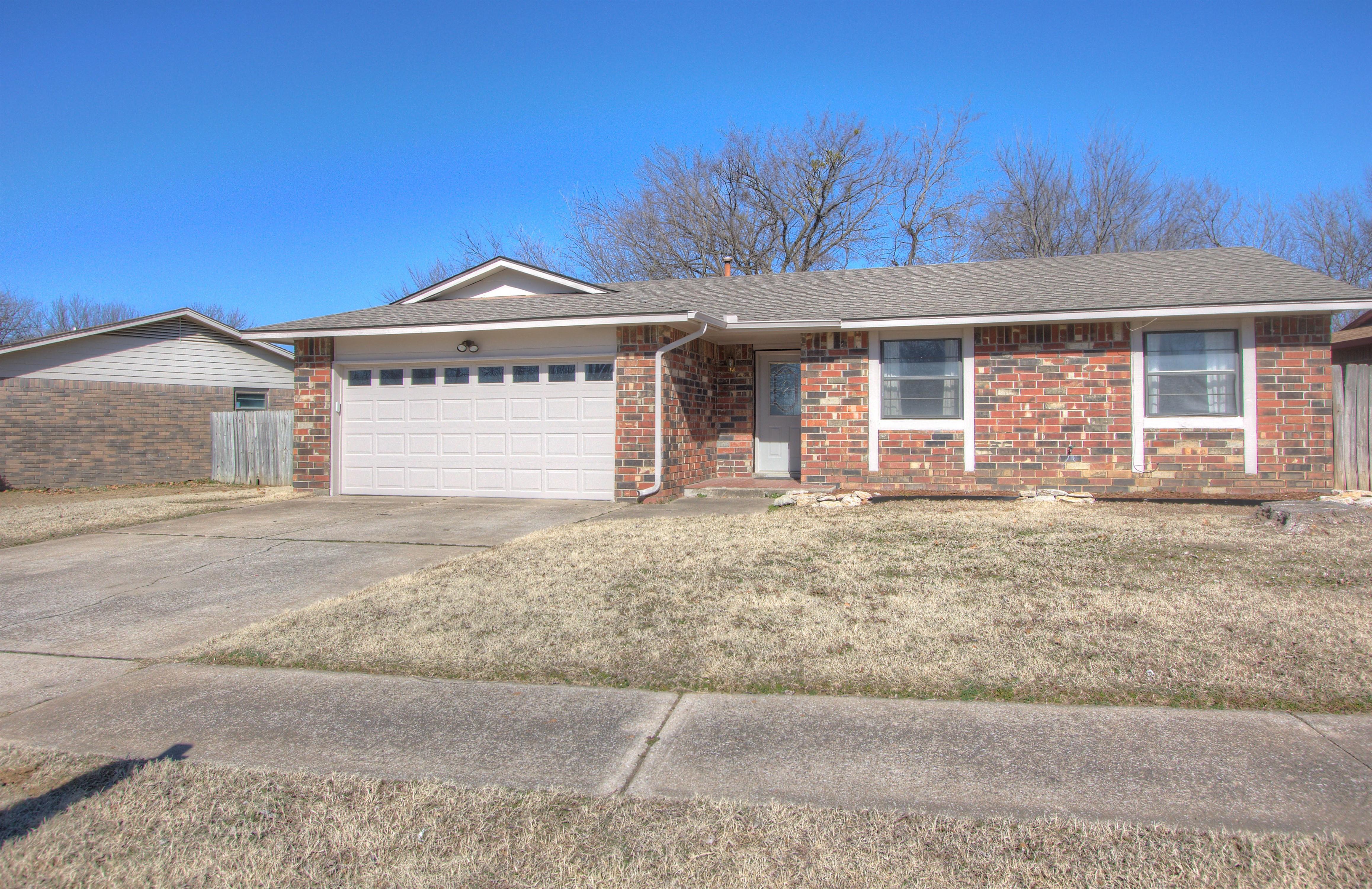 2100 W Delmar Street Property Photo