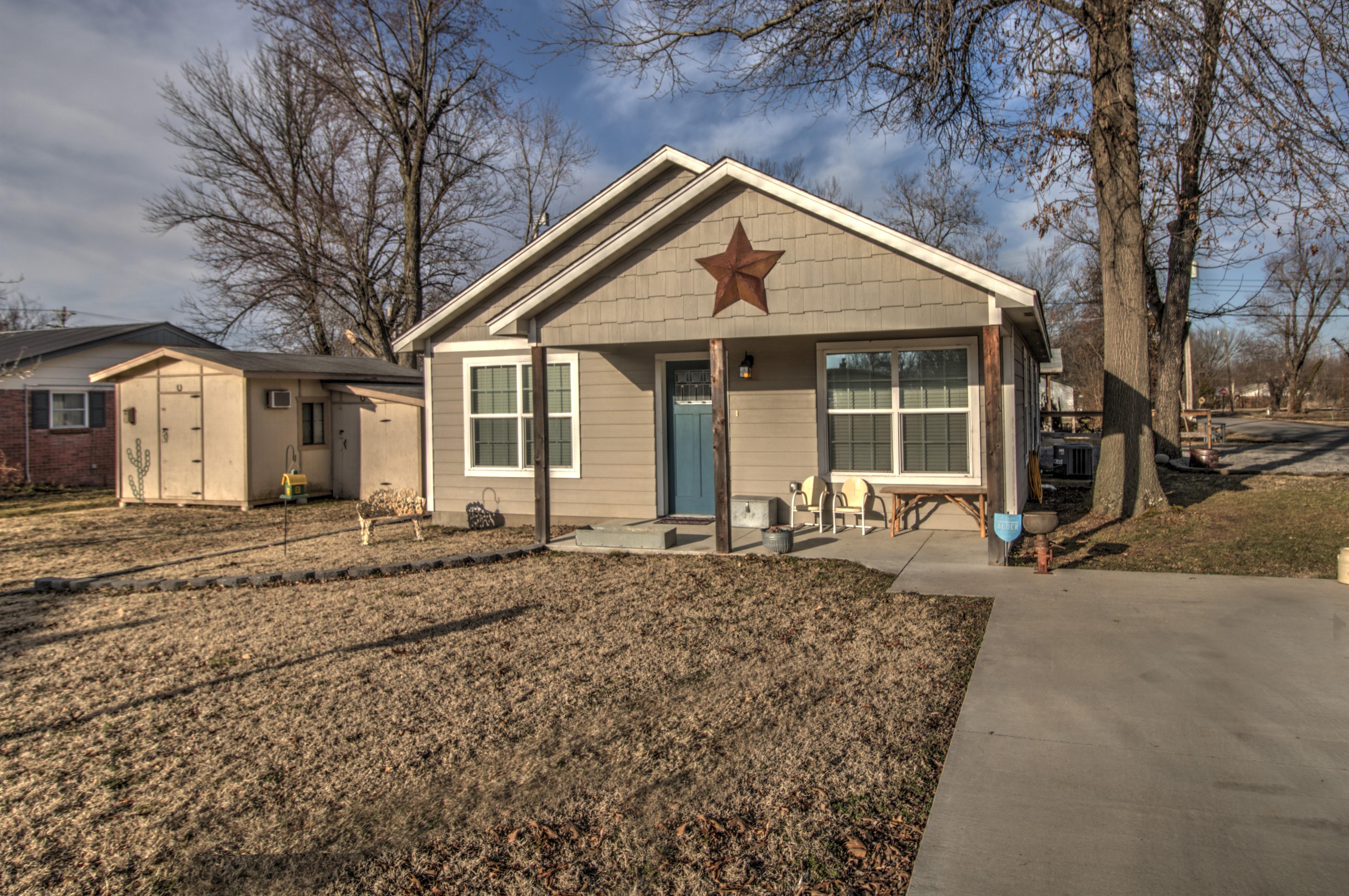 50 S Oak Street Property Photo 1
