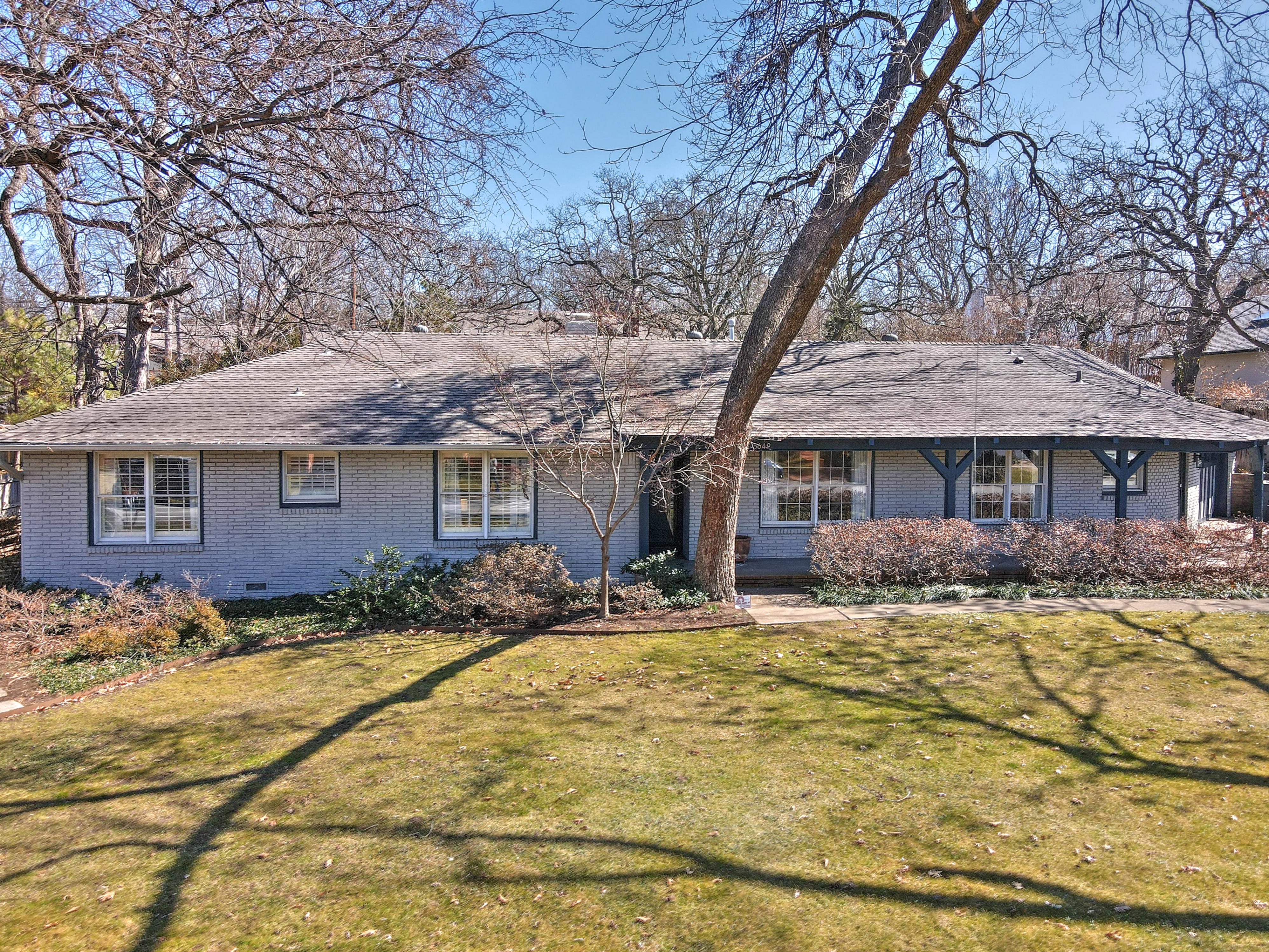 5649 S Delaware Avenue Property Photo