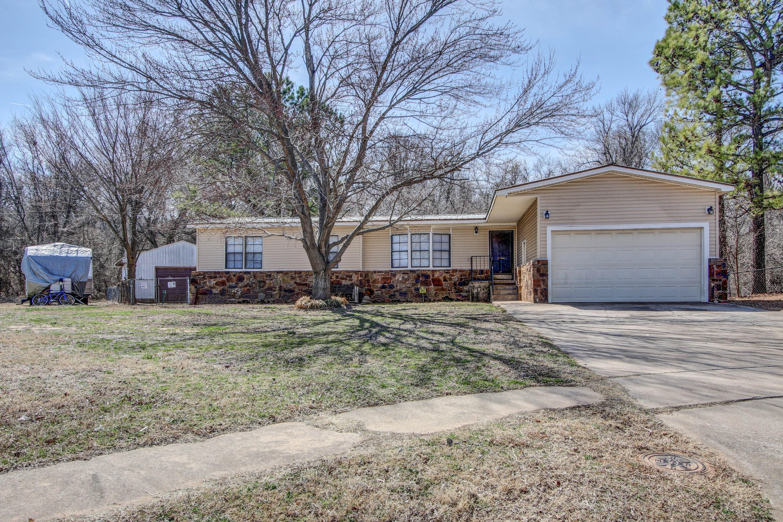2904 Maple Drive Property Photo 1