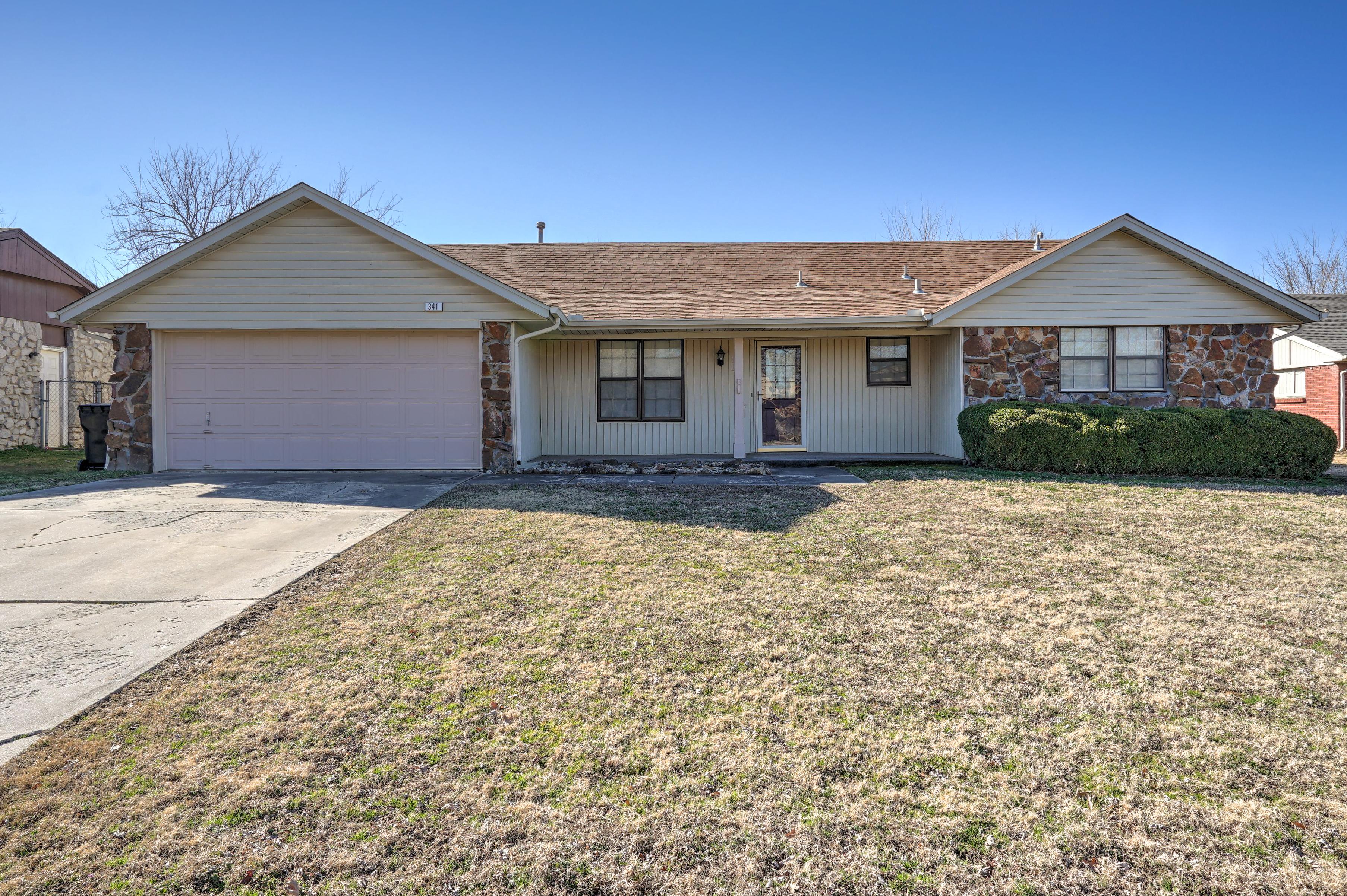 341 W Waco Place Property Photo 1