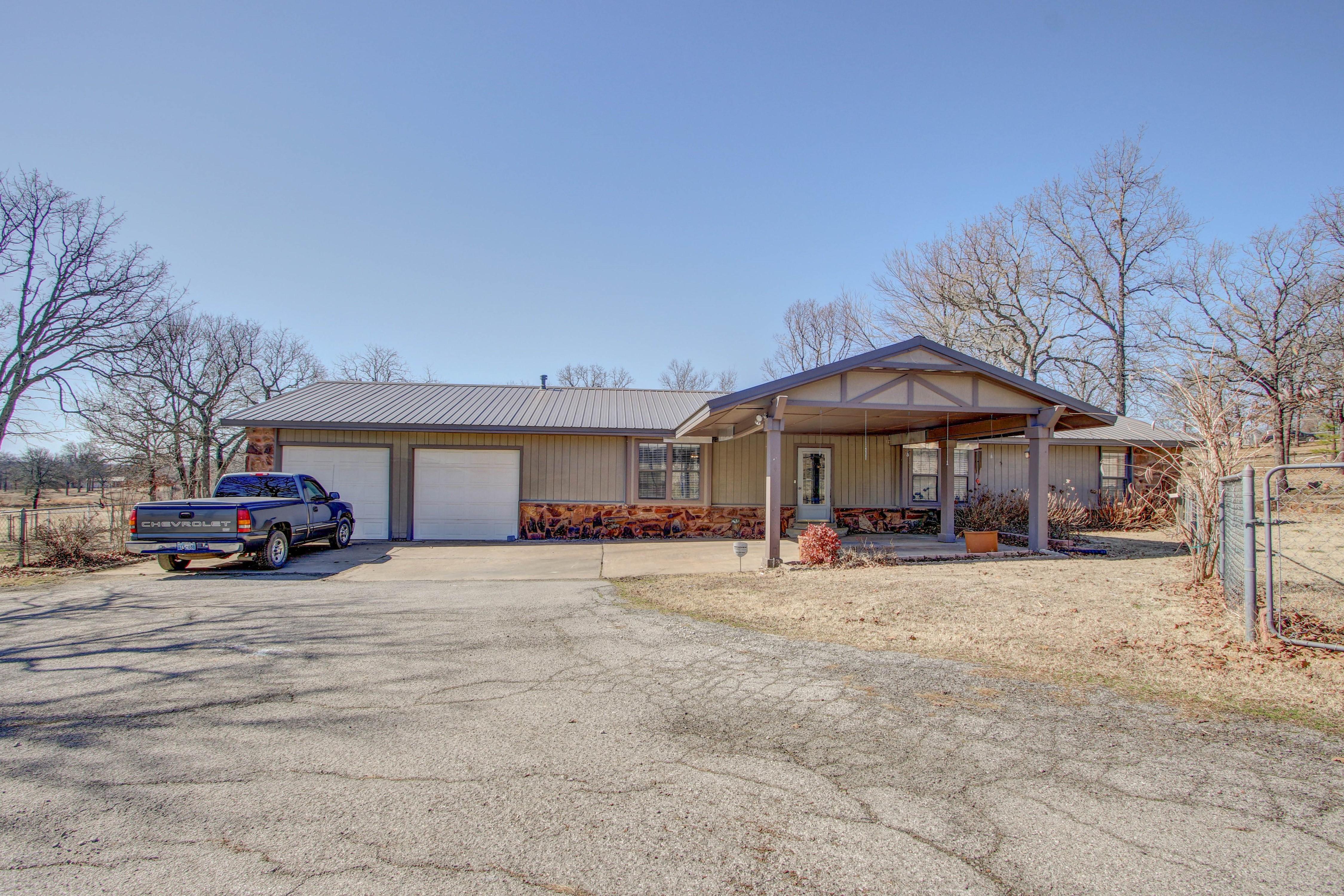 16138 S Maple Drive Property Photo