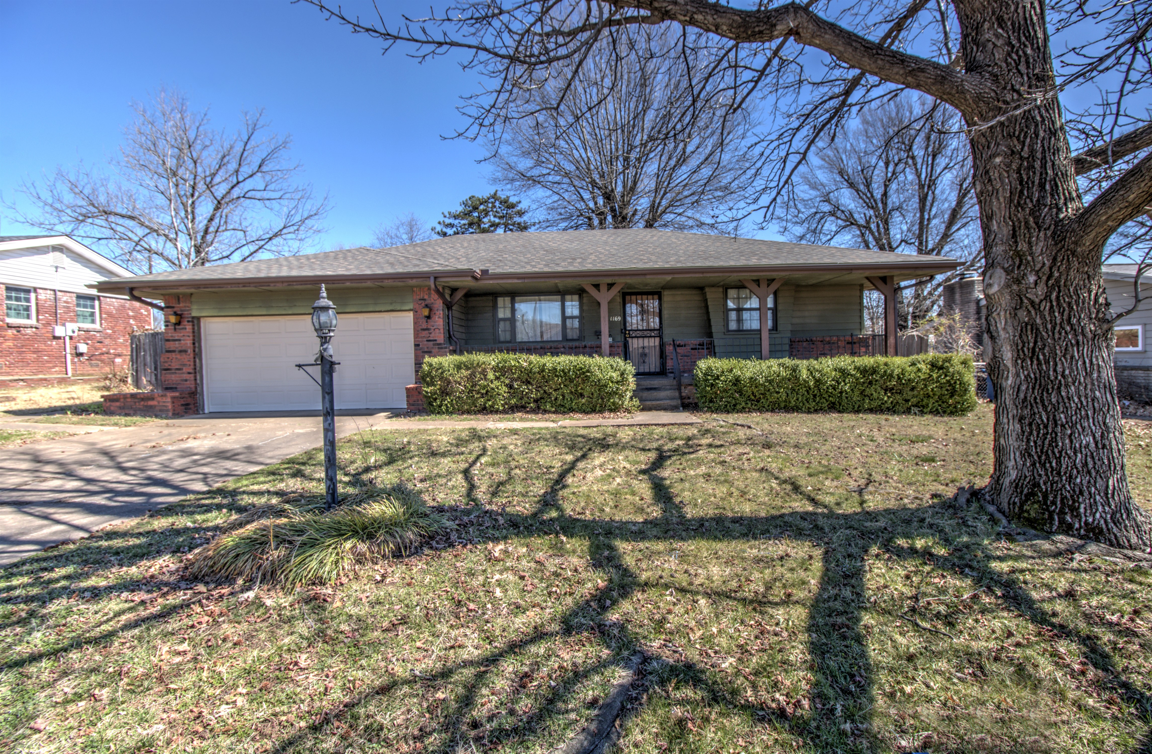 1169 N Union Place Property Photo 1