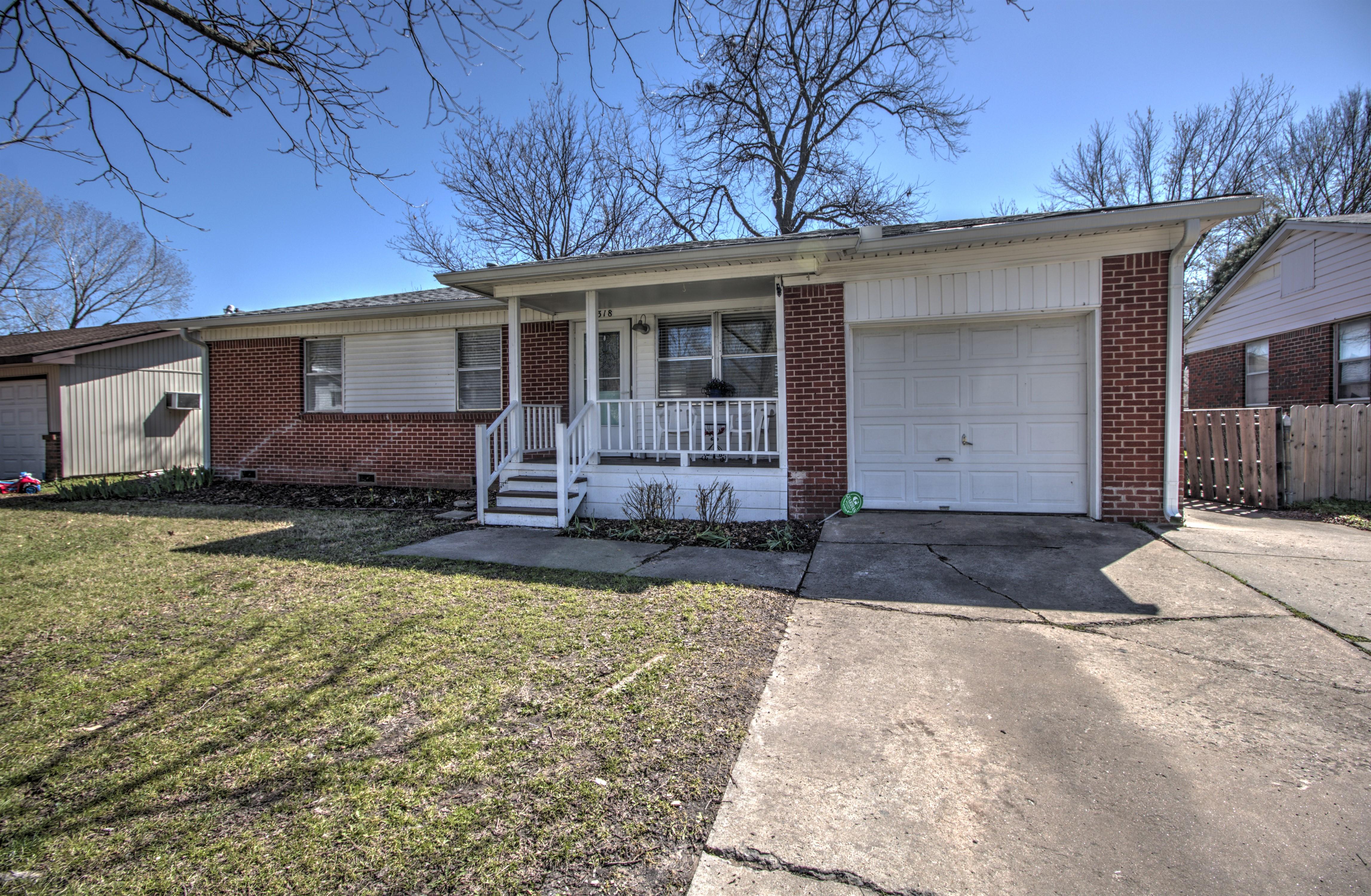 1318 Ne 3rd Place Property Photo