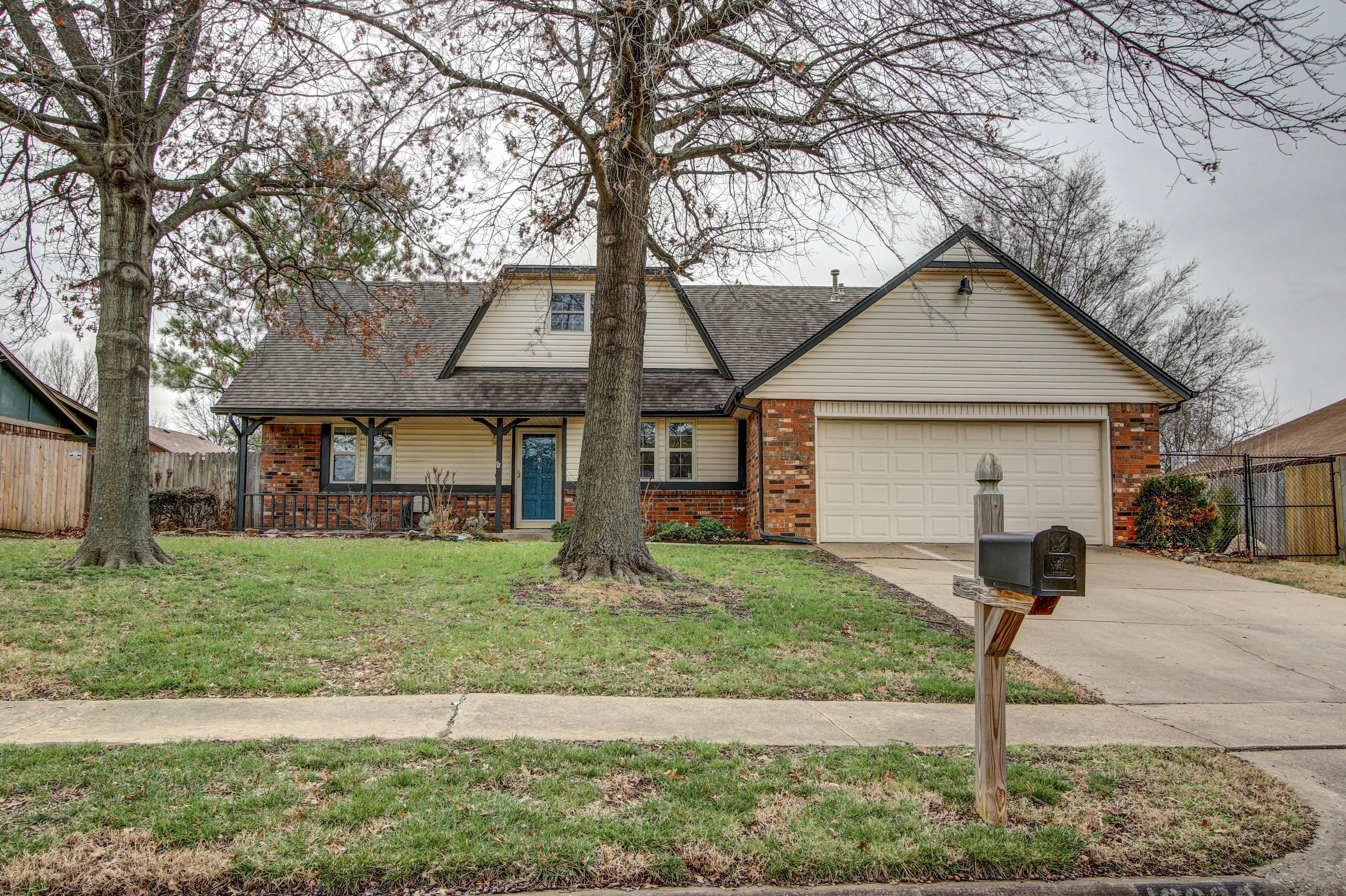 10806 E 98th Street Property Photo