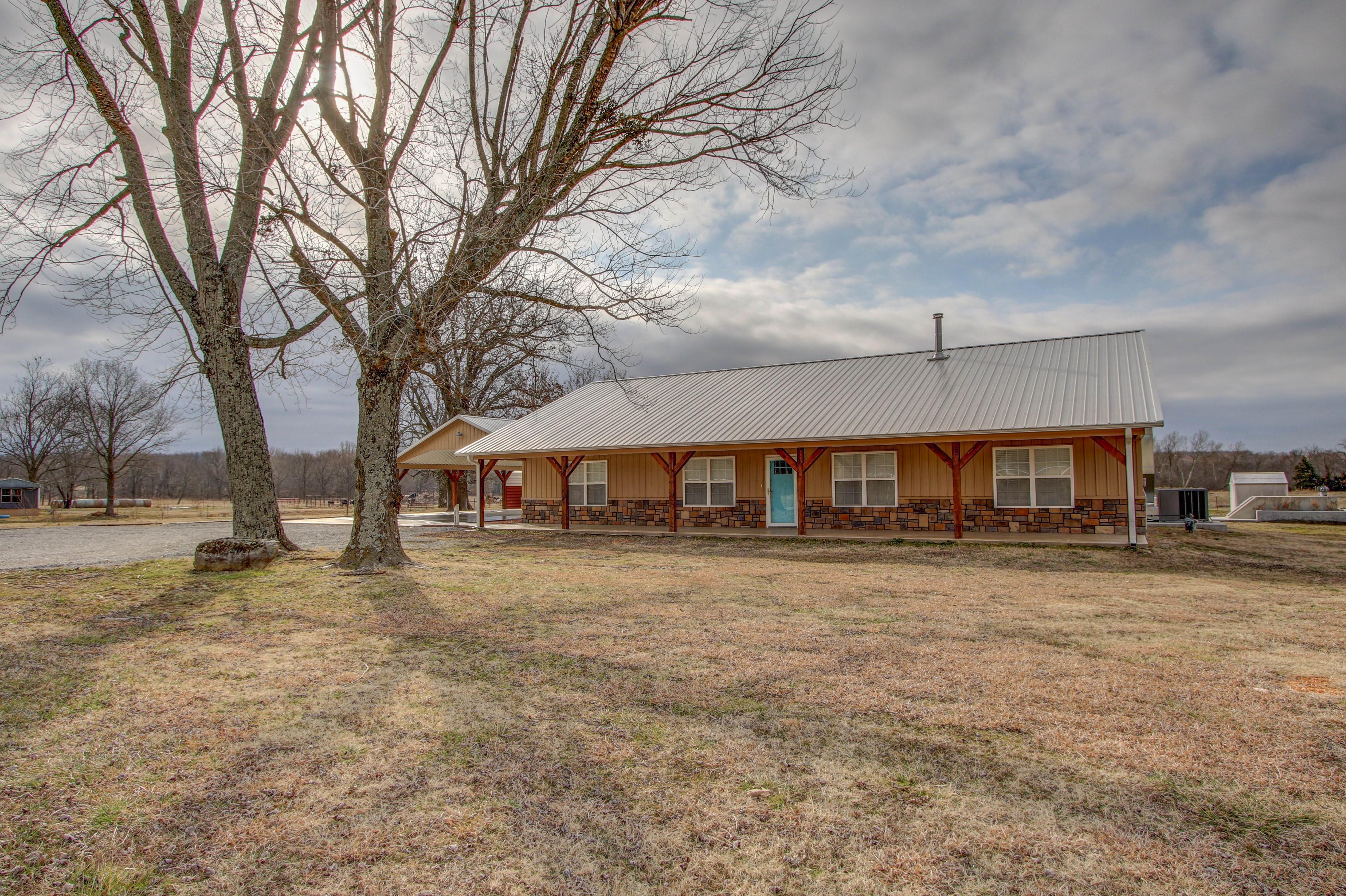 17959 E 690 Road Property Photo
