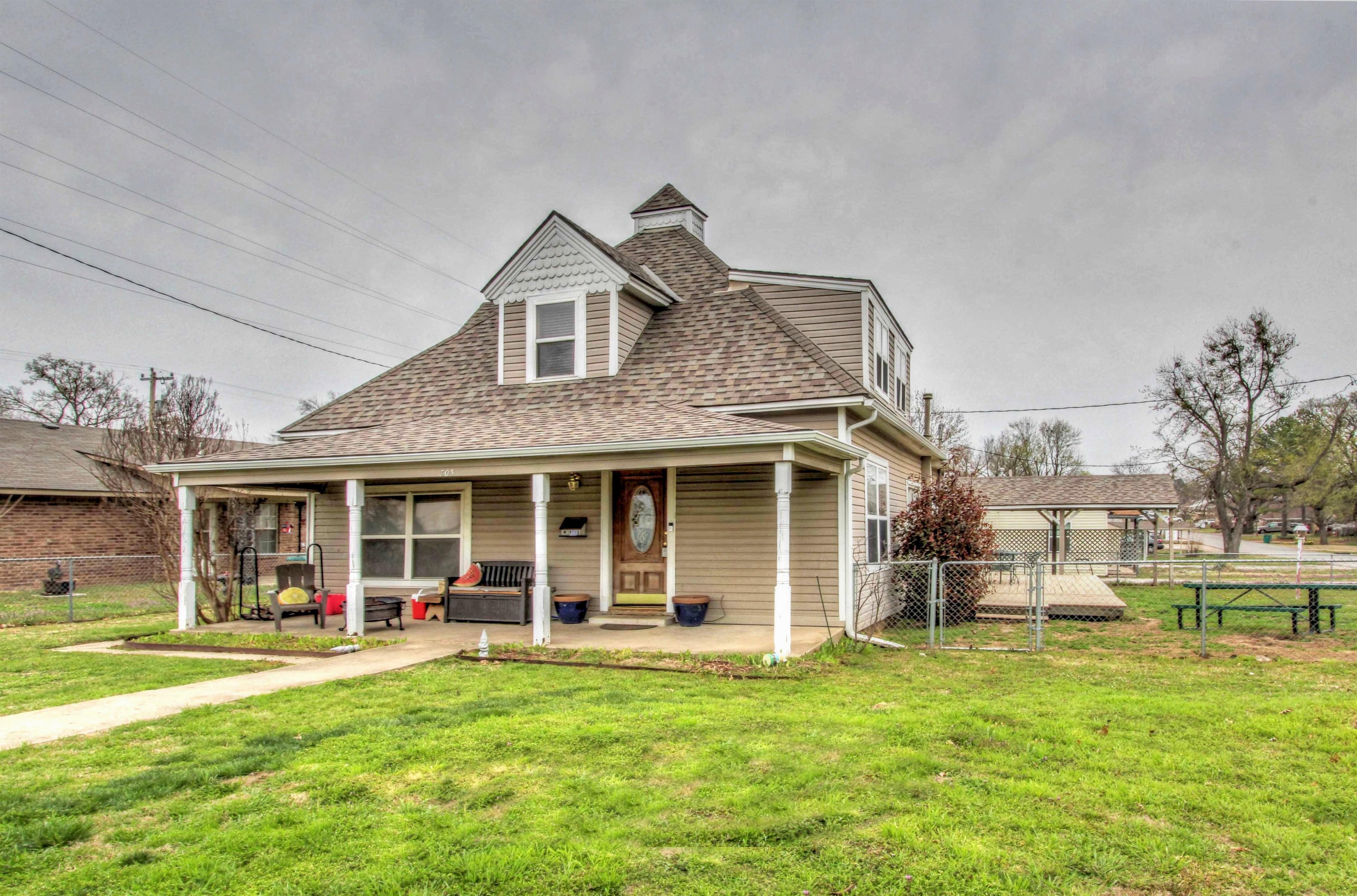 303 N Adams Street Property Photo 1