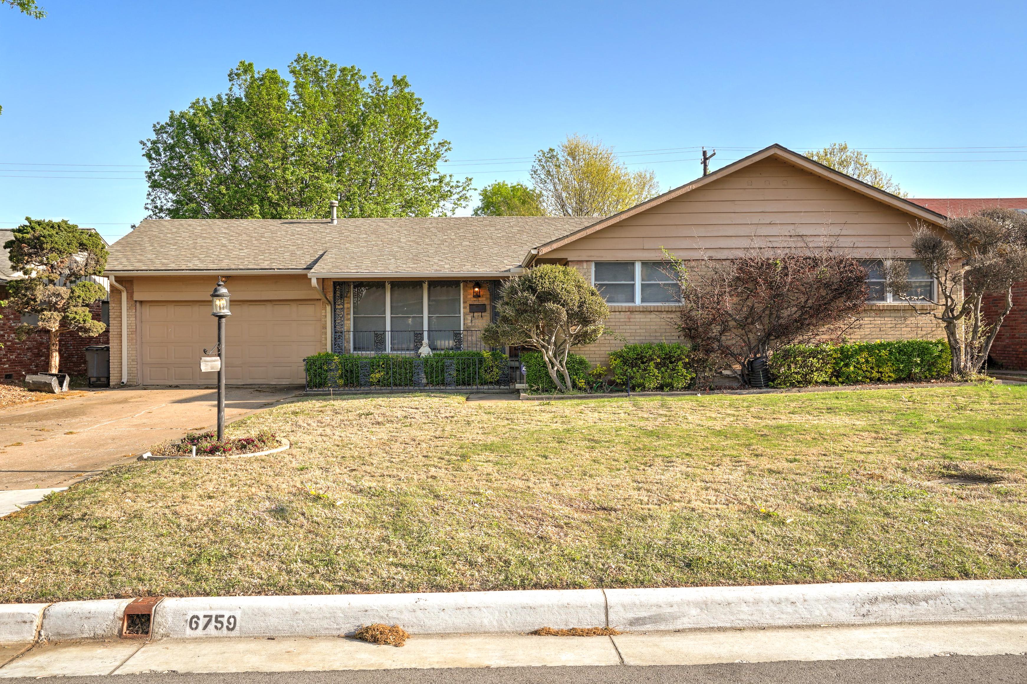 6759 E 26th Court Property Photo 1