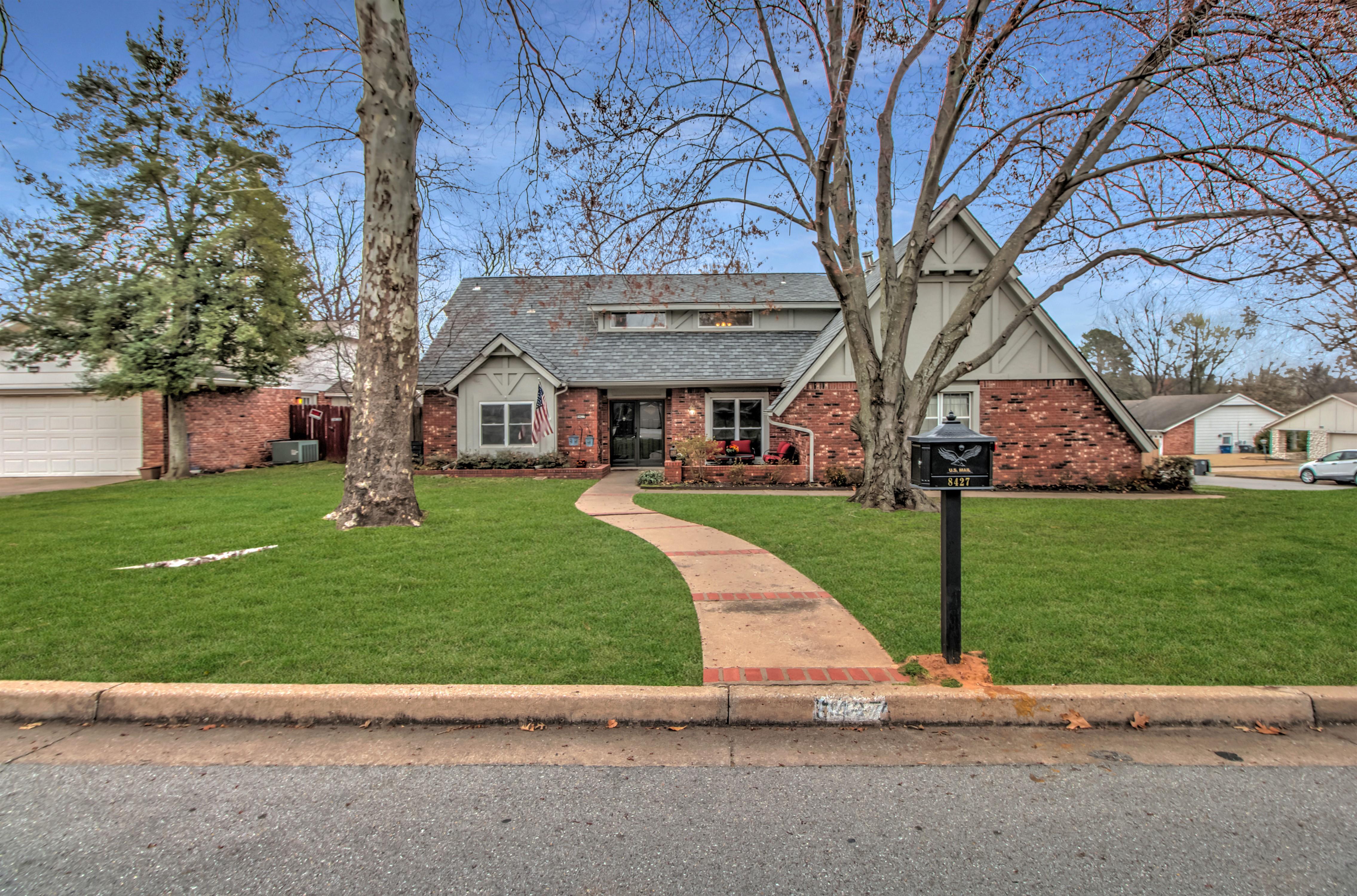 8427 S Louisville Avenue Property Photo