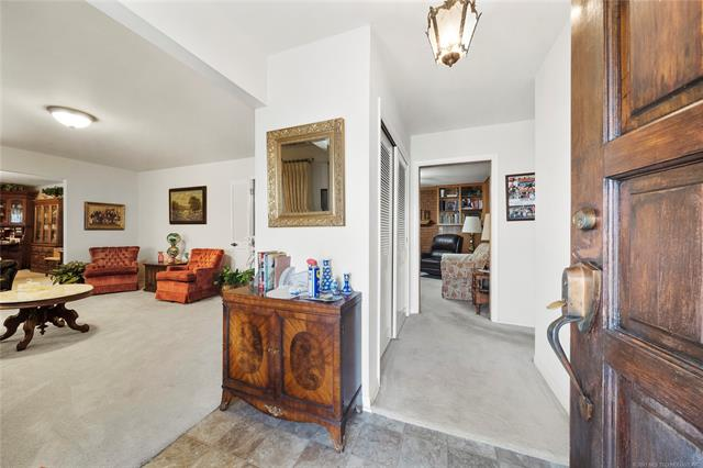 6975 S 241st Avenue Property Photo 7