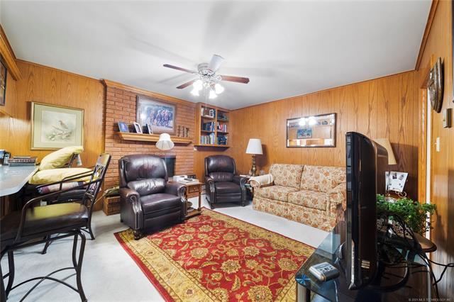 6975 S 241st Avenue Property Photo 11