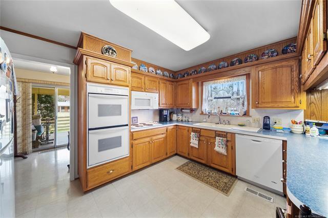 6975 S 241st Avenue Property Photo 12
