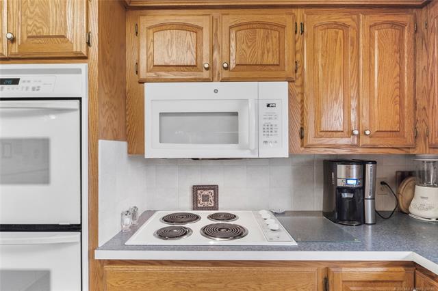 6975 S 241st Avenue Property Photo 14