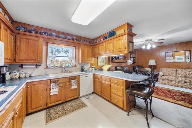 6975 S 241st Avenue Property Photo 15