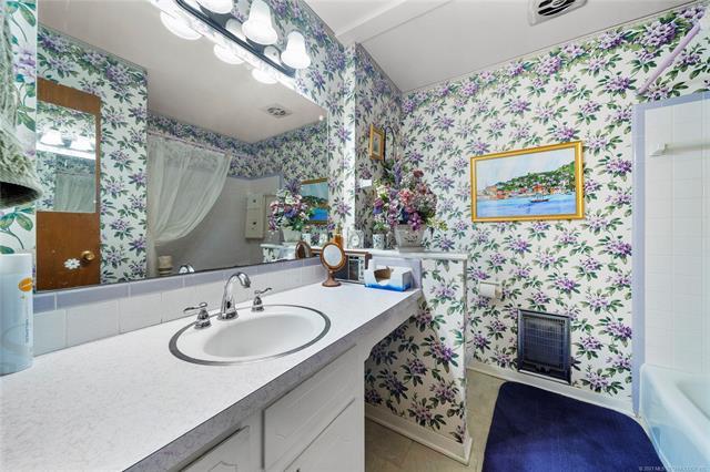 6975 S 241st Avenue Property Photo 24