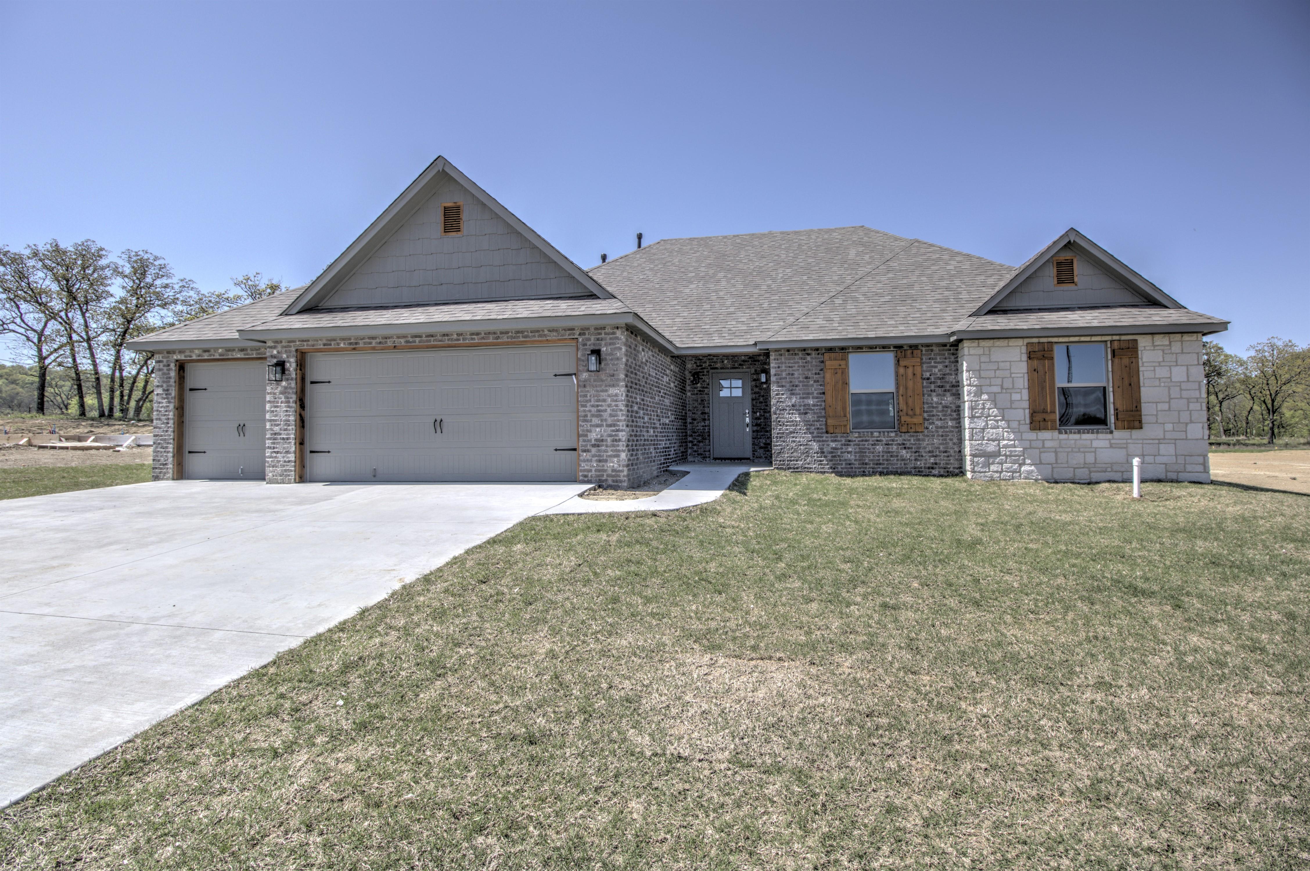 3056 Hilltop Drive Property Photo 1