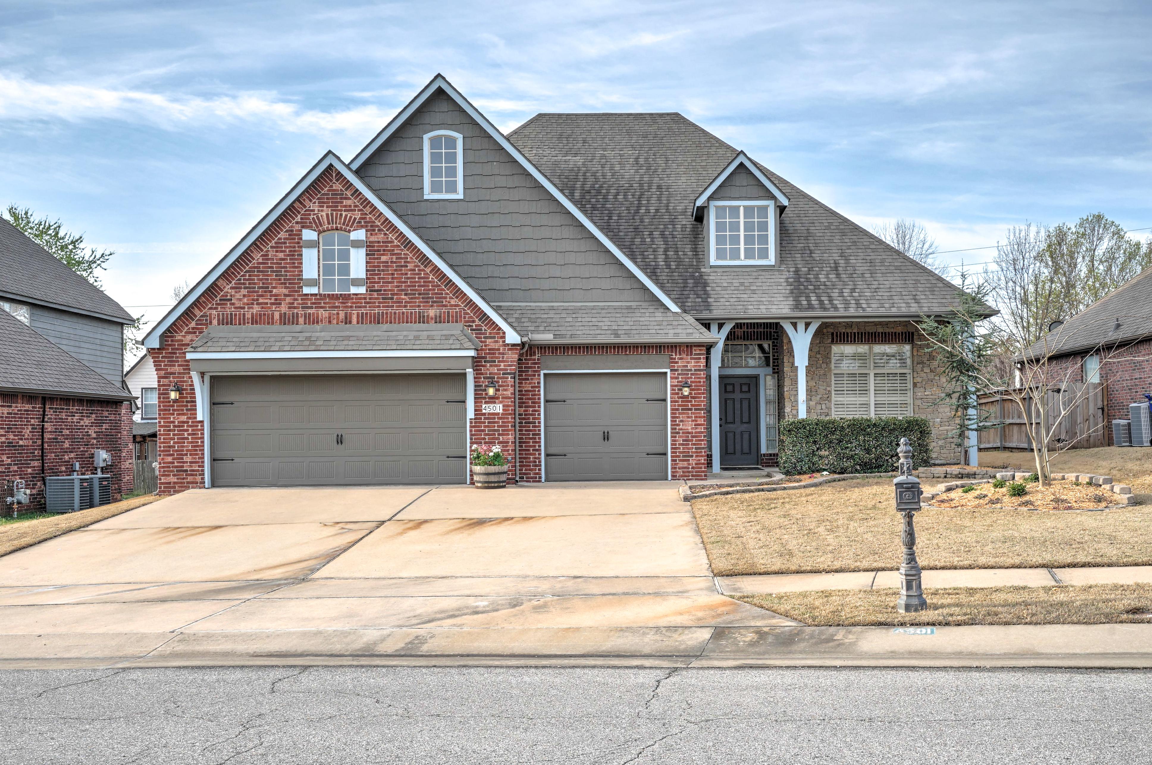 4501 W Oakridge Street Property Photo