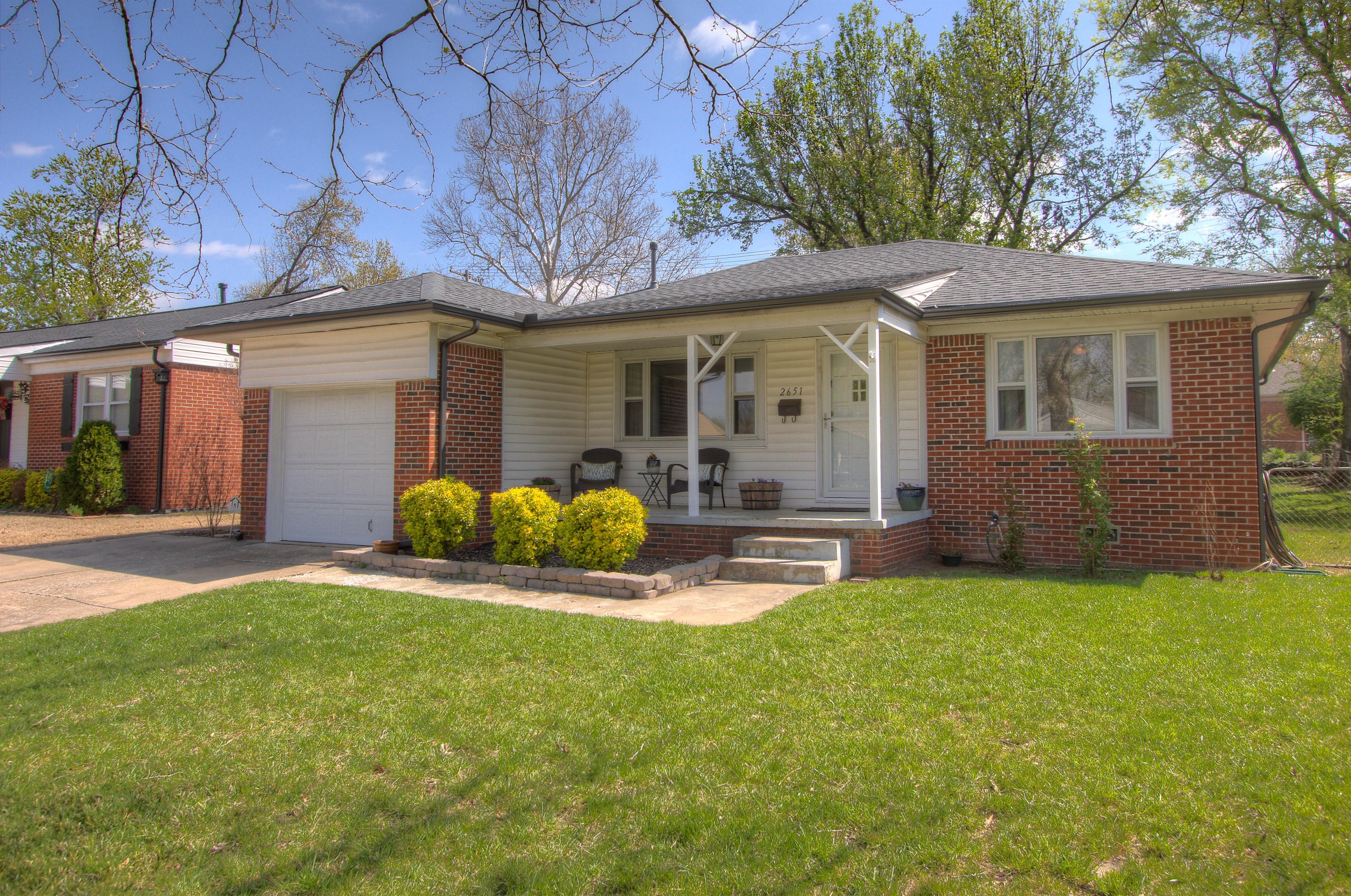 2651 S Pittsburg Avenue Property Photo 1