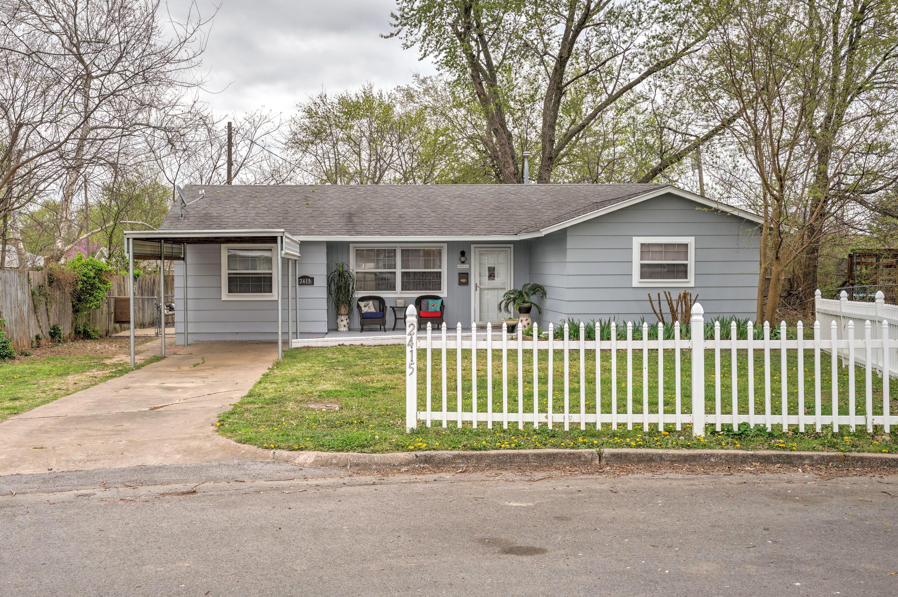 2415 S Cedar Street Property Photo 1