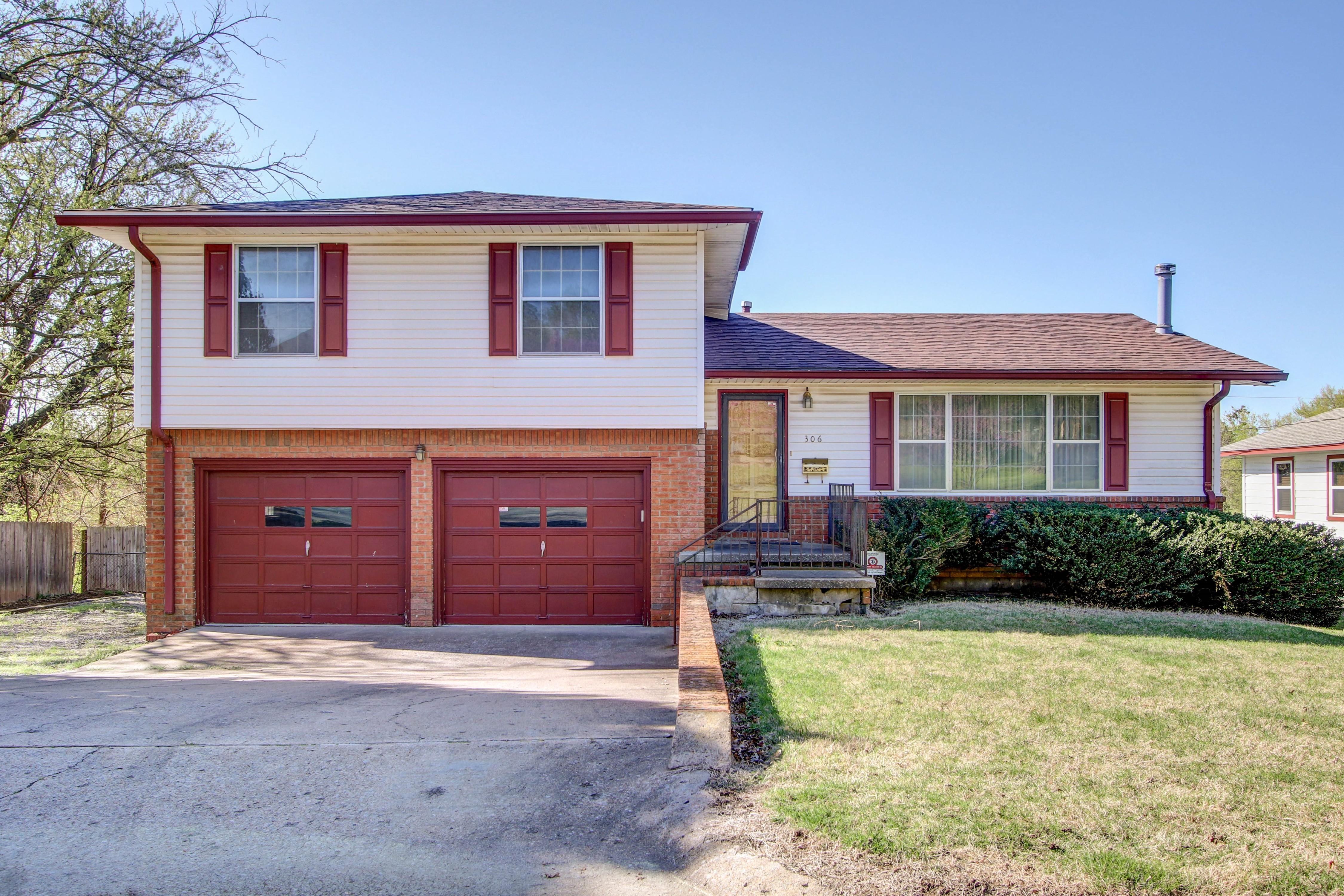 306 E Fuller Street Property Photo