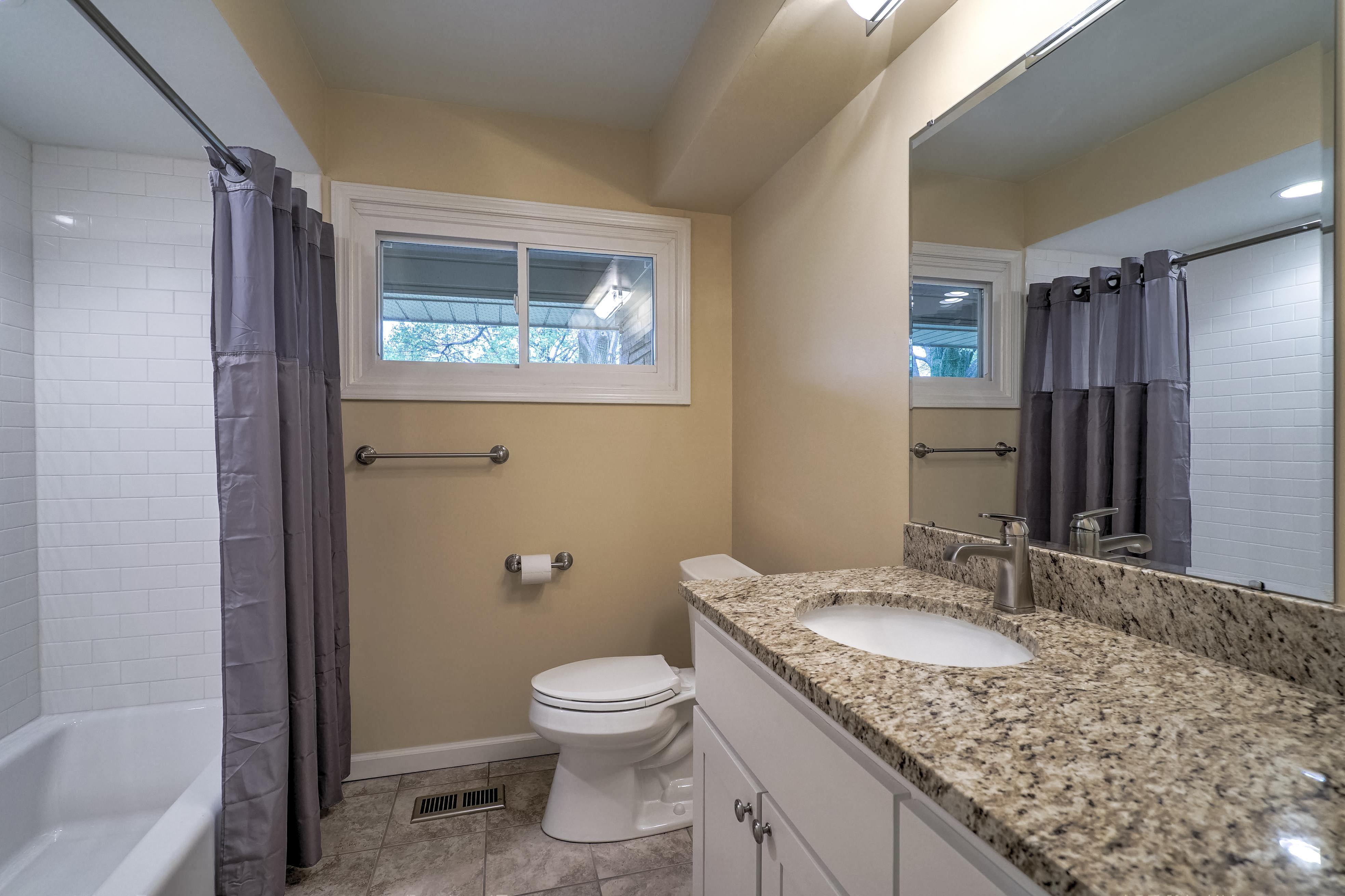 4048 S Birmingham Avenue Property Photo 24